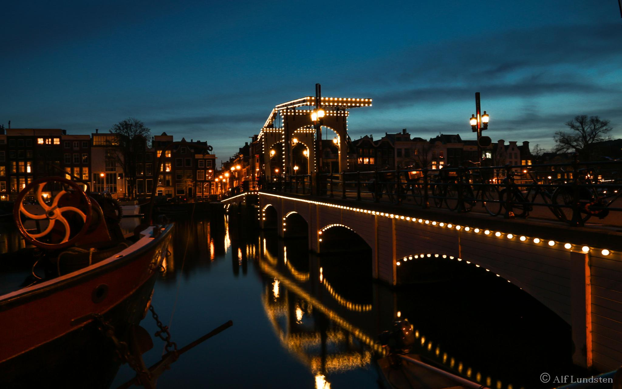 Photo in Cityscape #magere brug #bridge #amsterdam #holland #nightshot