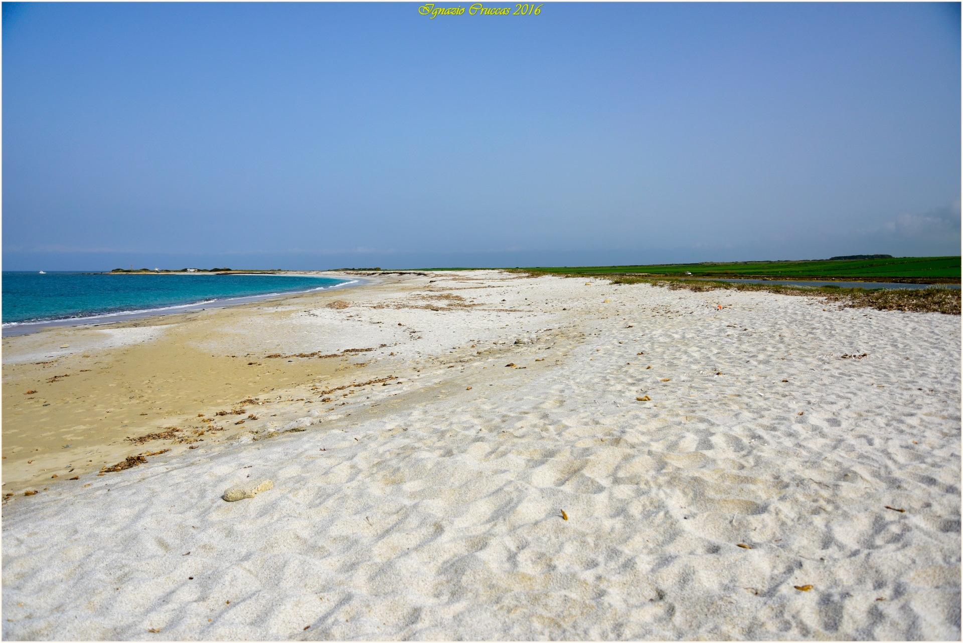 White sand by ignazio cruccas