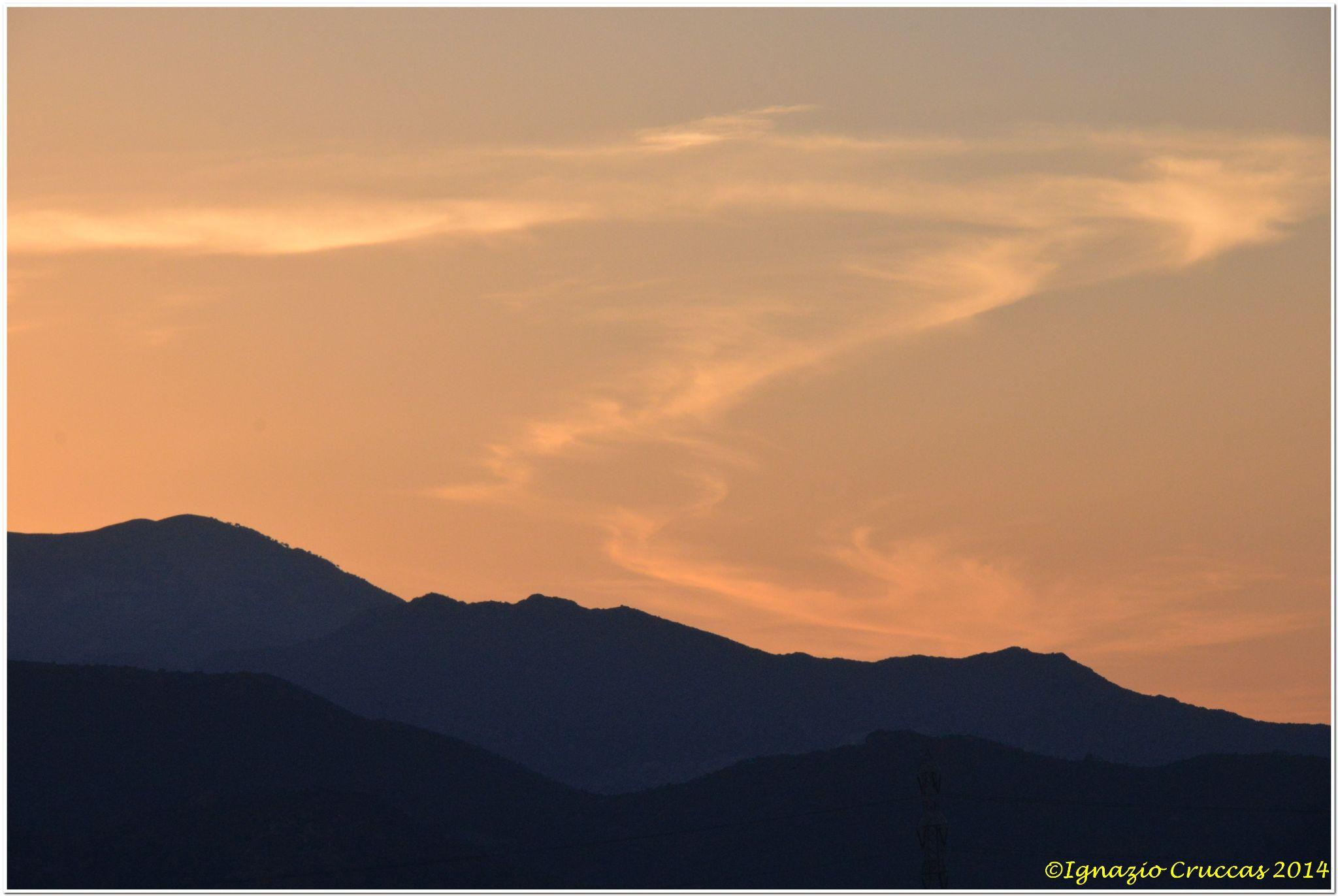 IL sole è tramontato ma regala ancora colori... by ignazio cruccas
