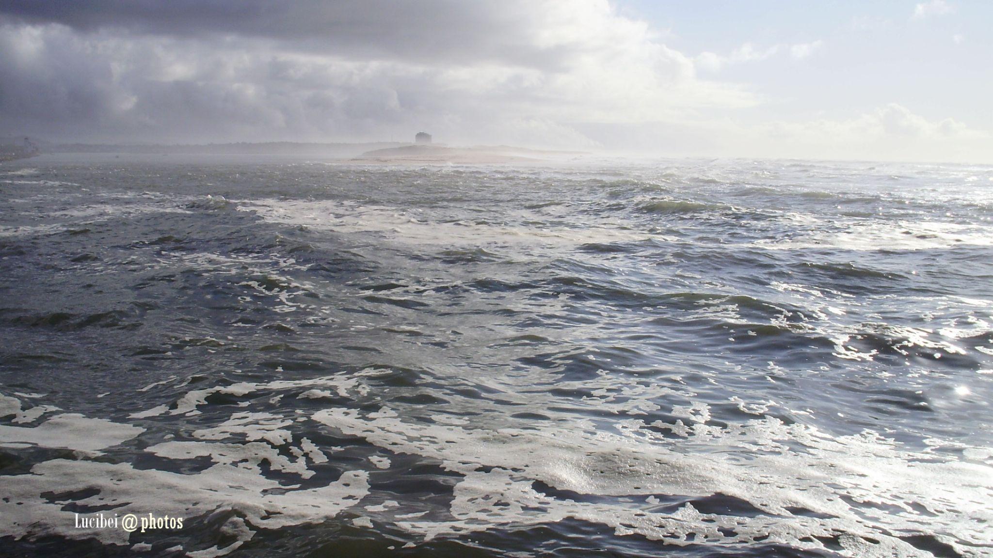 Mar alterado-Esposende by lucia.ribeiro.33