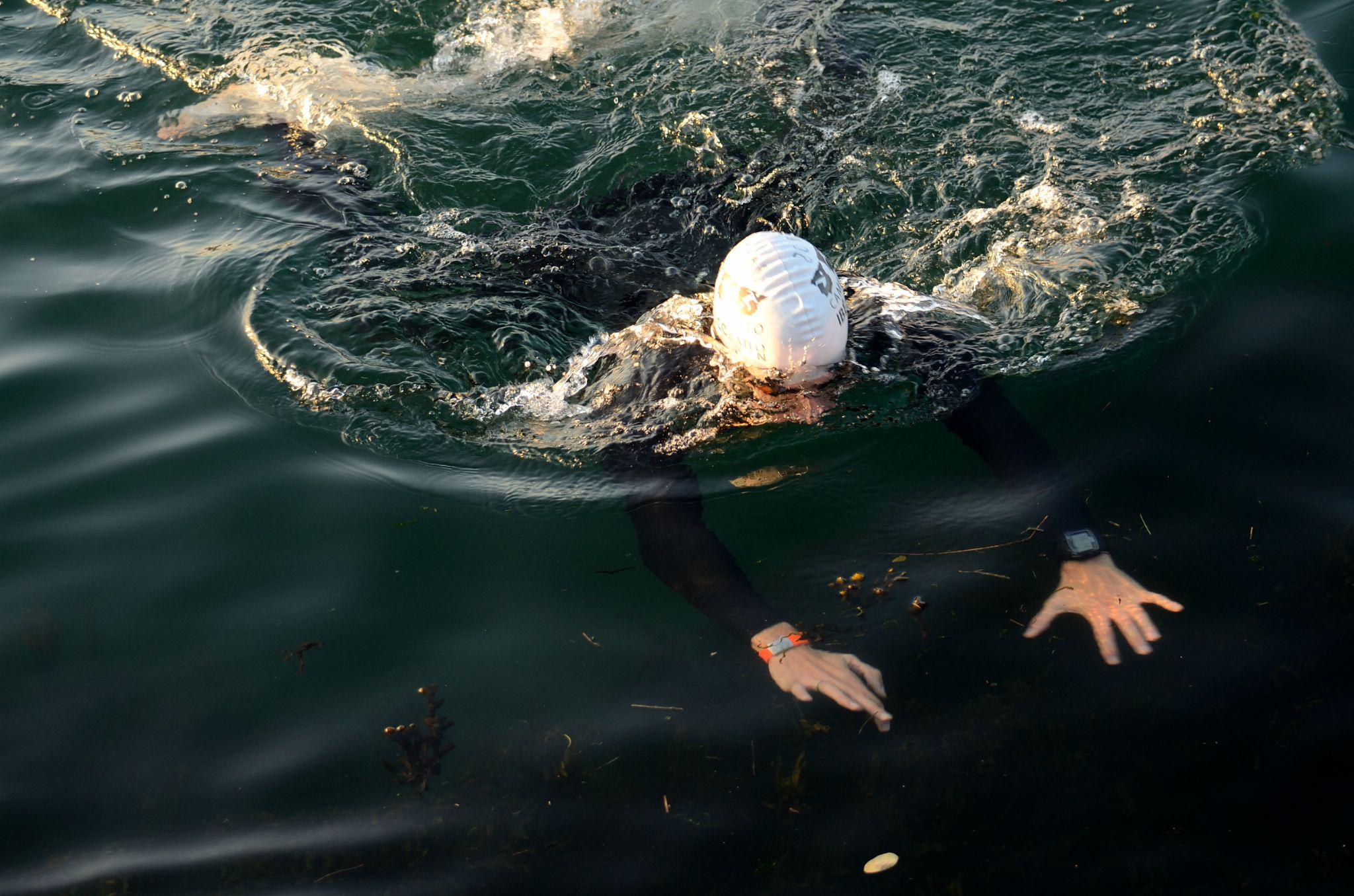 Nadador de Triatlo by carlosfiuzar