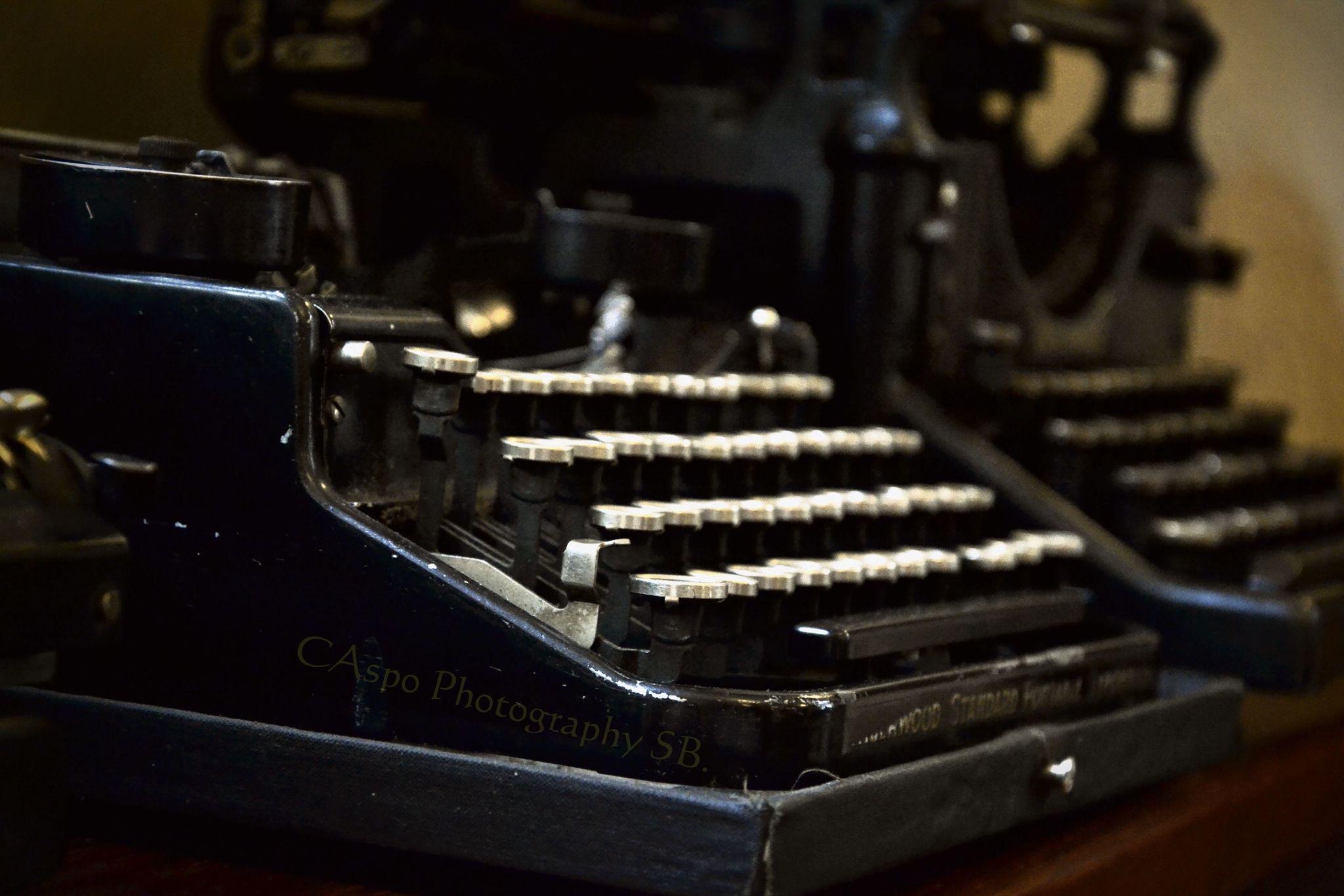 typewriter by rastislavk1