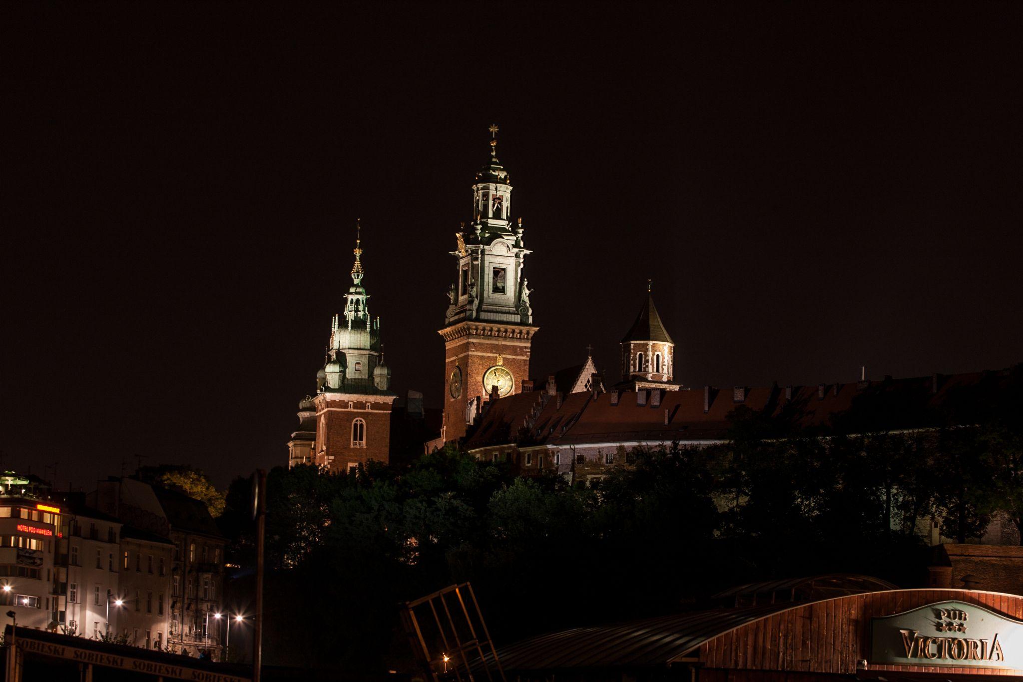 Krakow by night by Koatl Photography