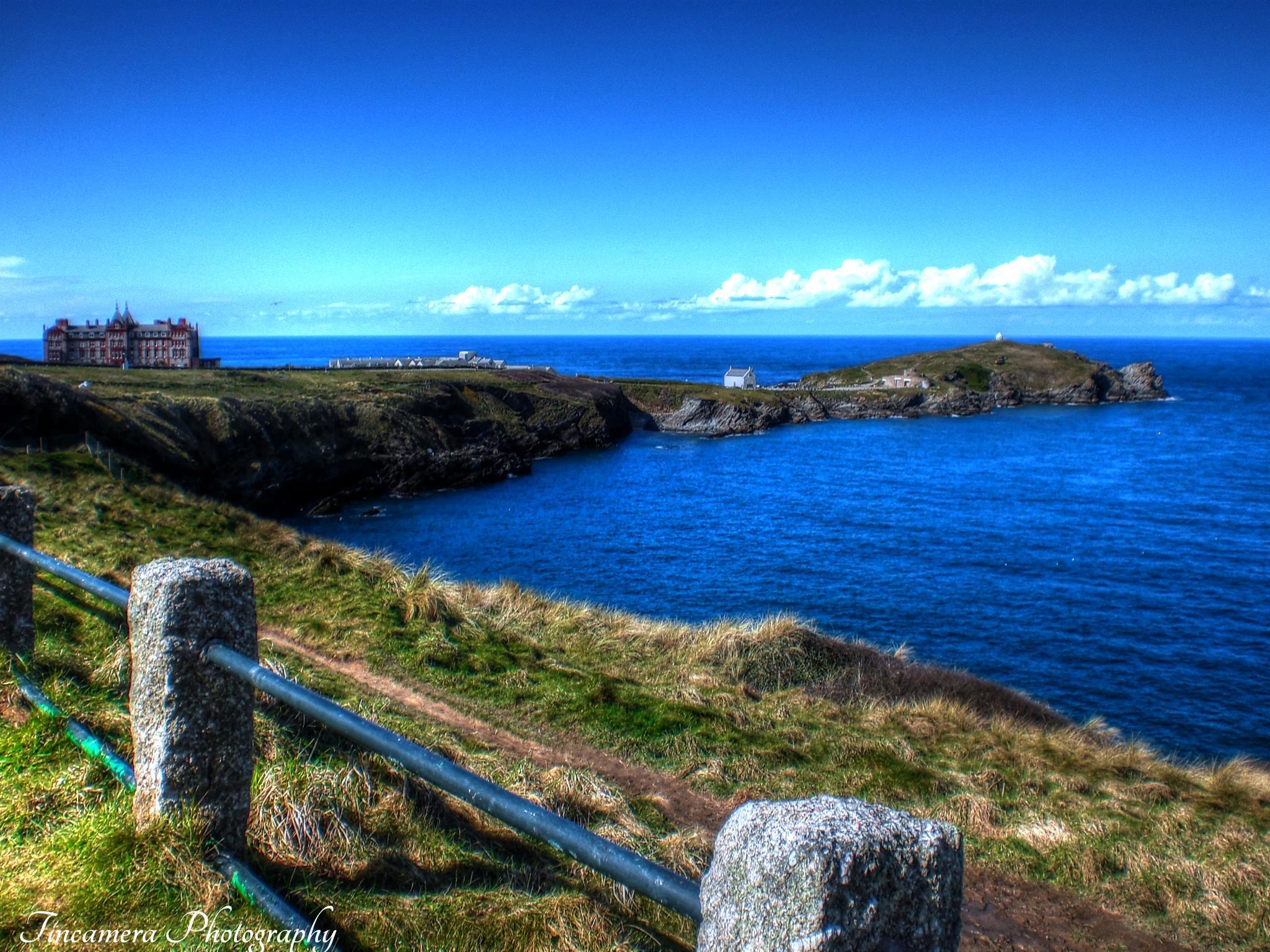 View to Headland, Newquay. by john jenkinson