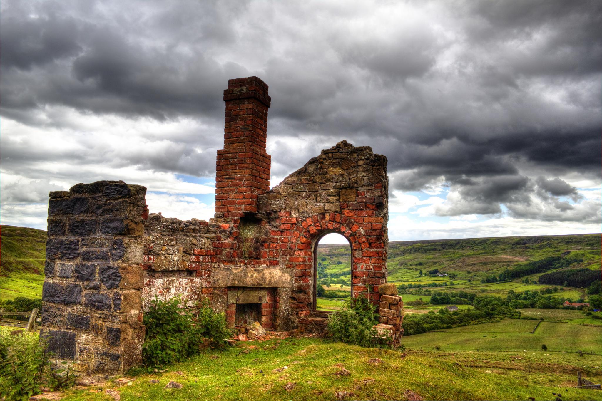 Engine House ruin, Rosedale East by john jenkinson
