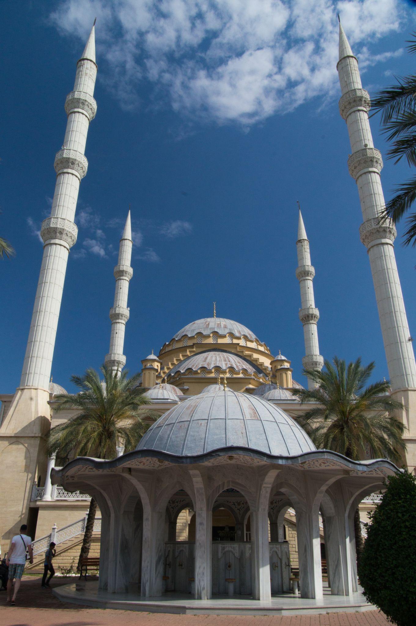 Mosque by tom.vandam.7