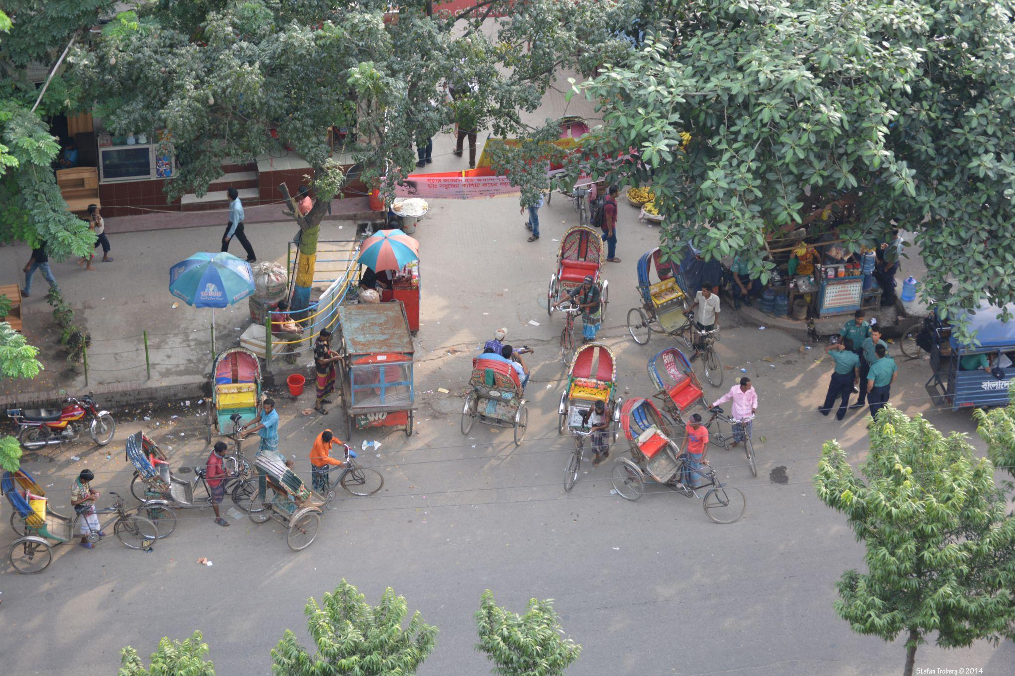 Rickshaw waiting for costumers by Stefan Troberg