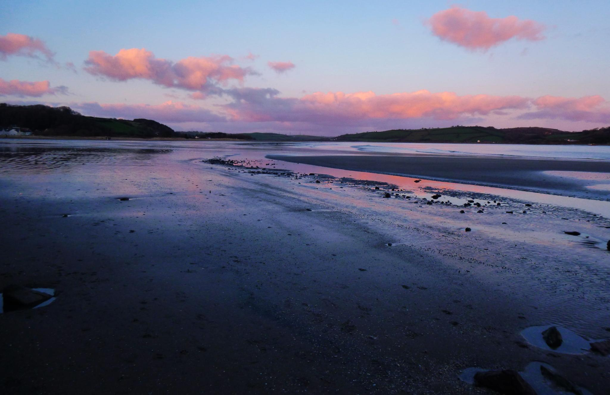 llansteffan beach by chris.adams.3557