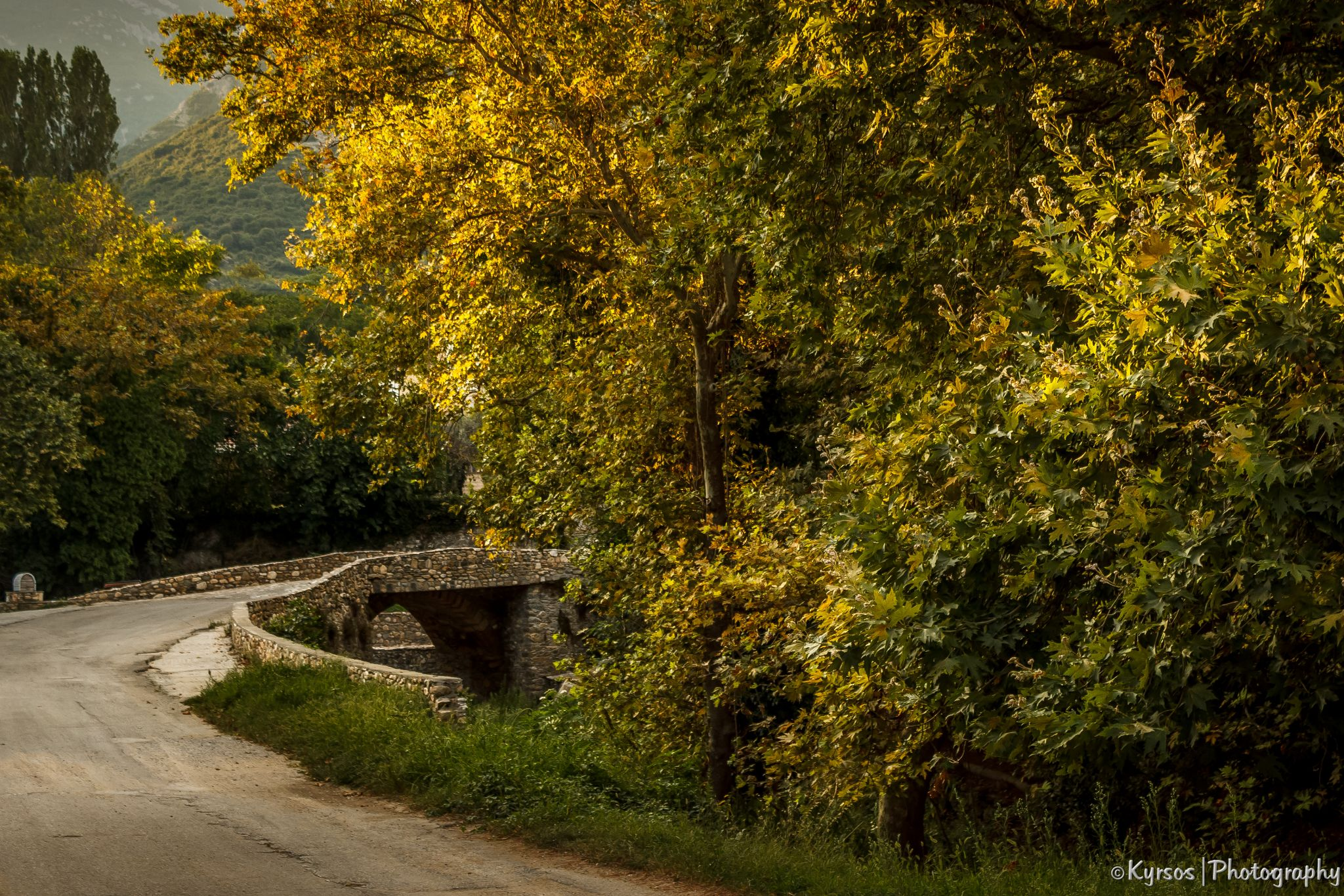 stone bridge by kyrsos