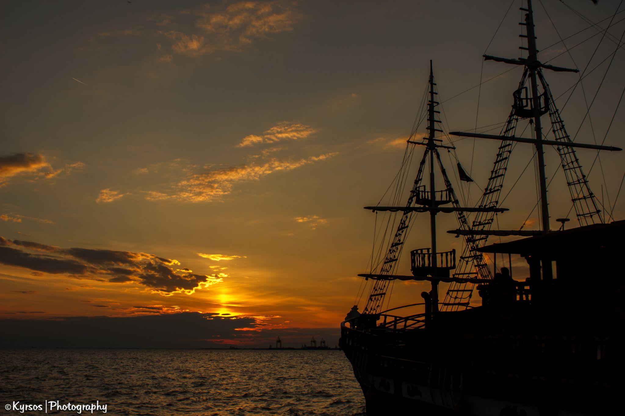 Boat silhouette by kyrsos
