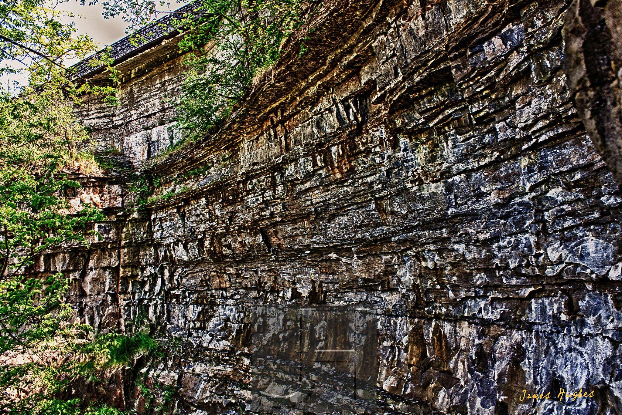 Niagara Gorge Rockface by James Hughes Photography