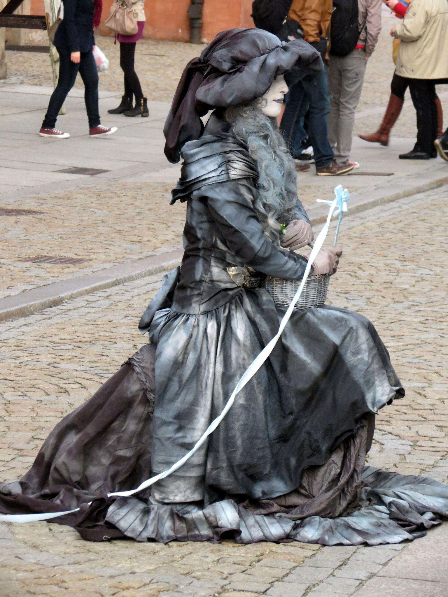 Metallic people in Krakow 4 by christopher.kerkovius