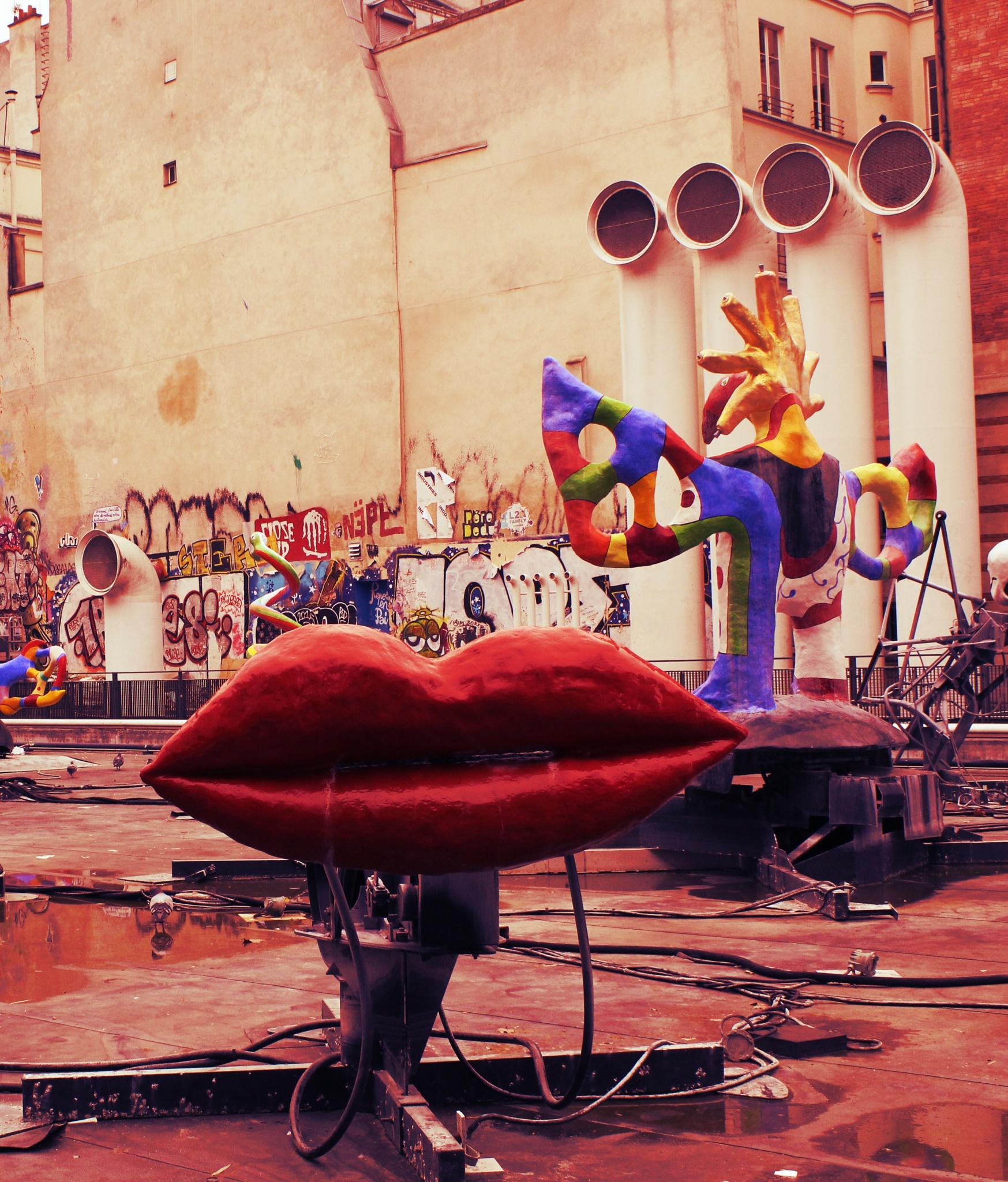 Photo in Travel #mouth #lips #red #paris #niki de saint phalle #beaubourg