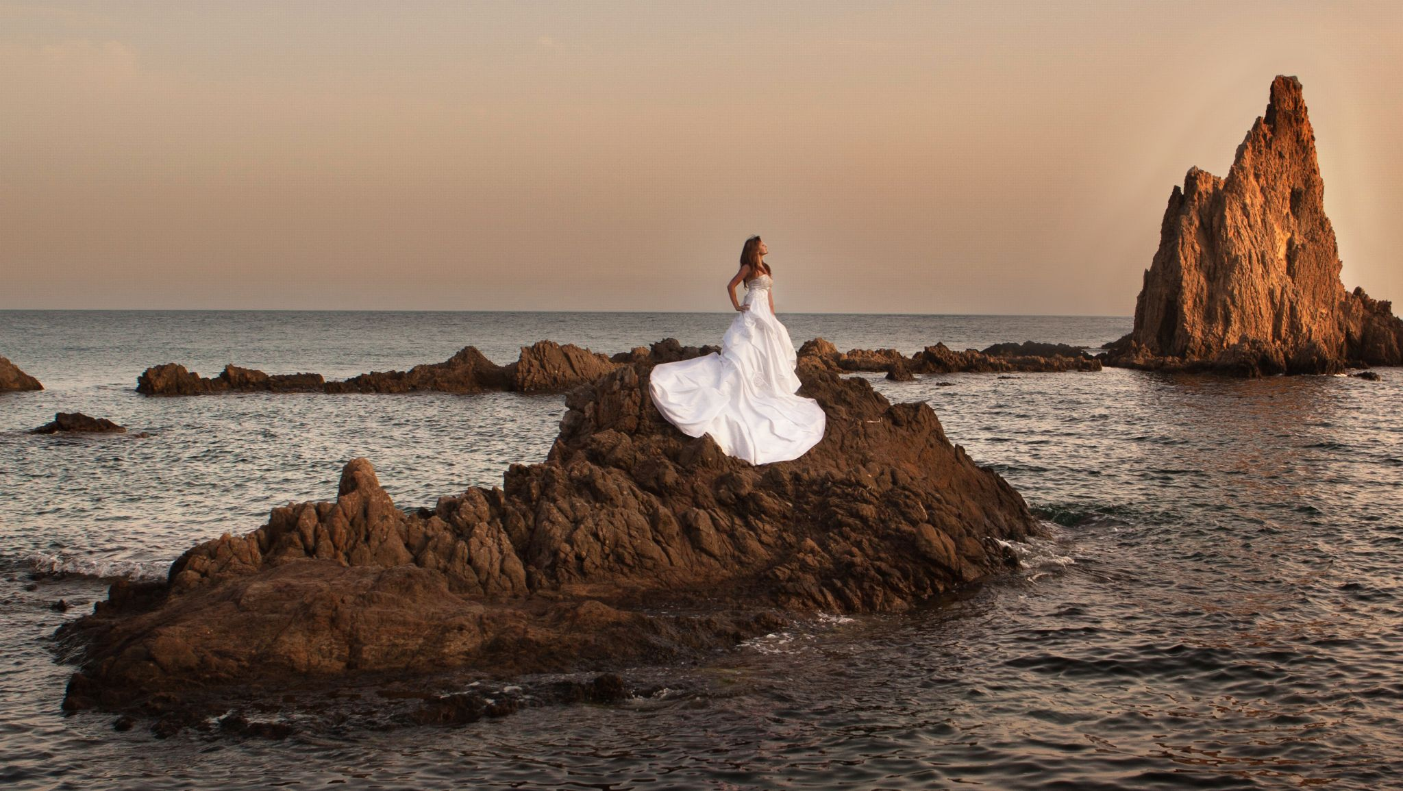 Bride in an island by ivanvazquezphotographer