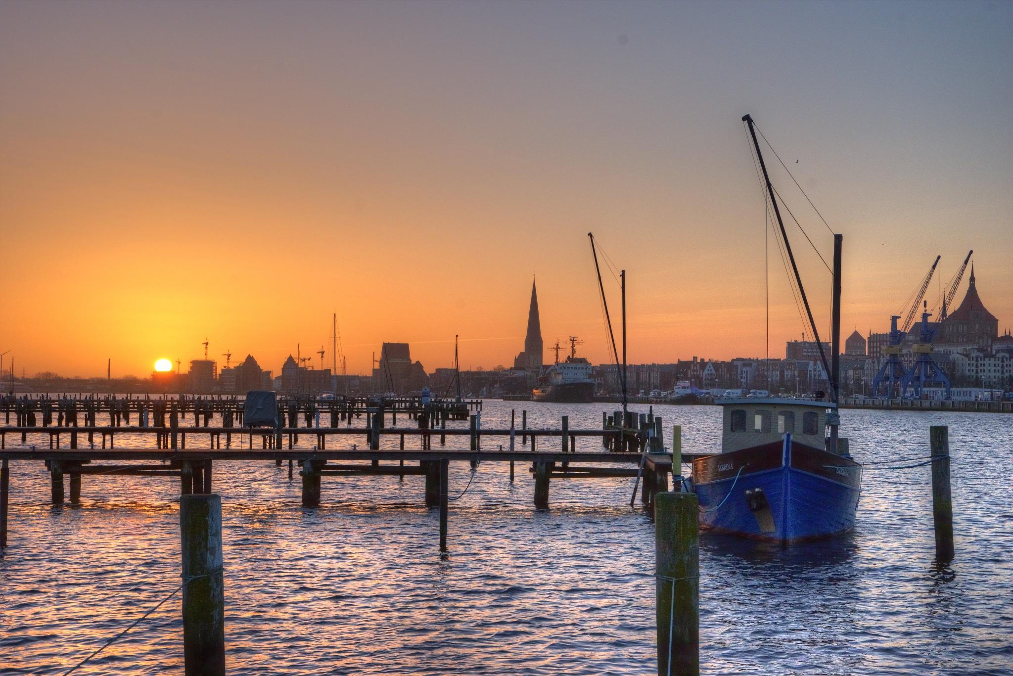 Morgendliches Rostock by diplompunk