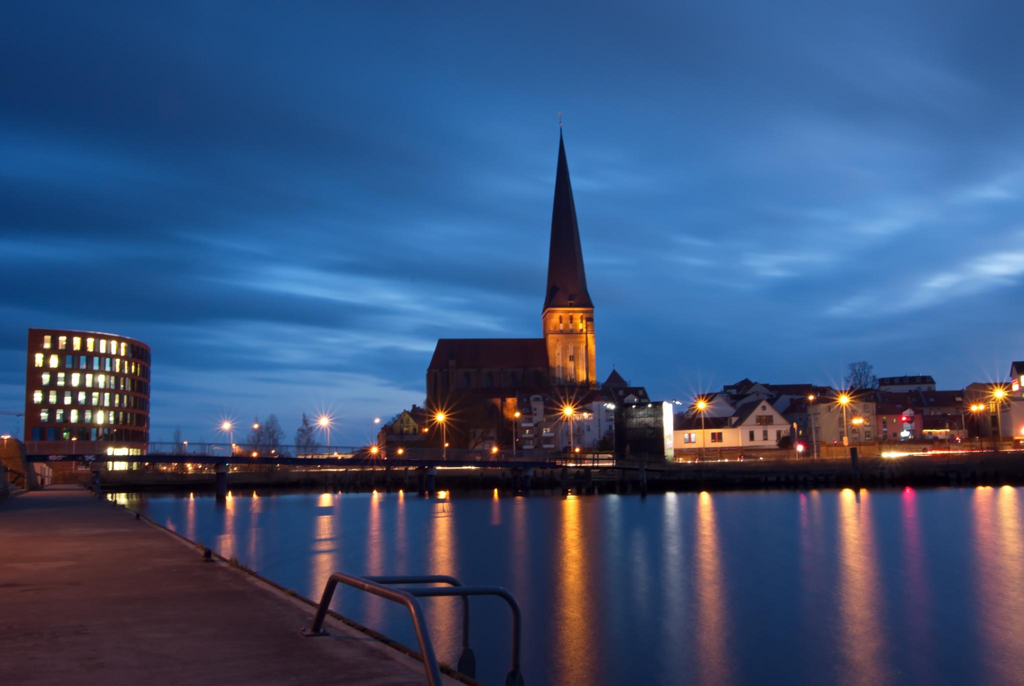 Petrikirche Rostock by diplompunk