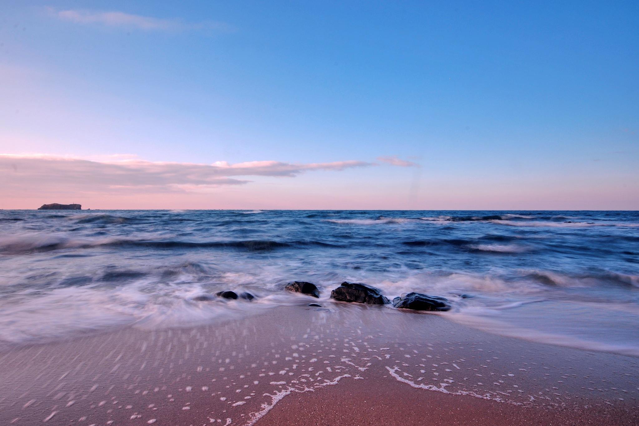 Riva sahil  by servetkarabacak