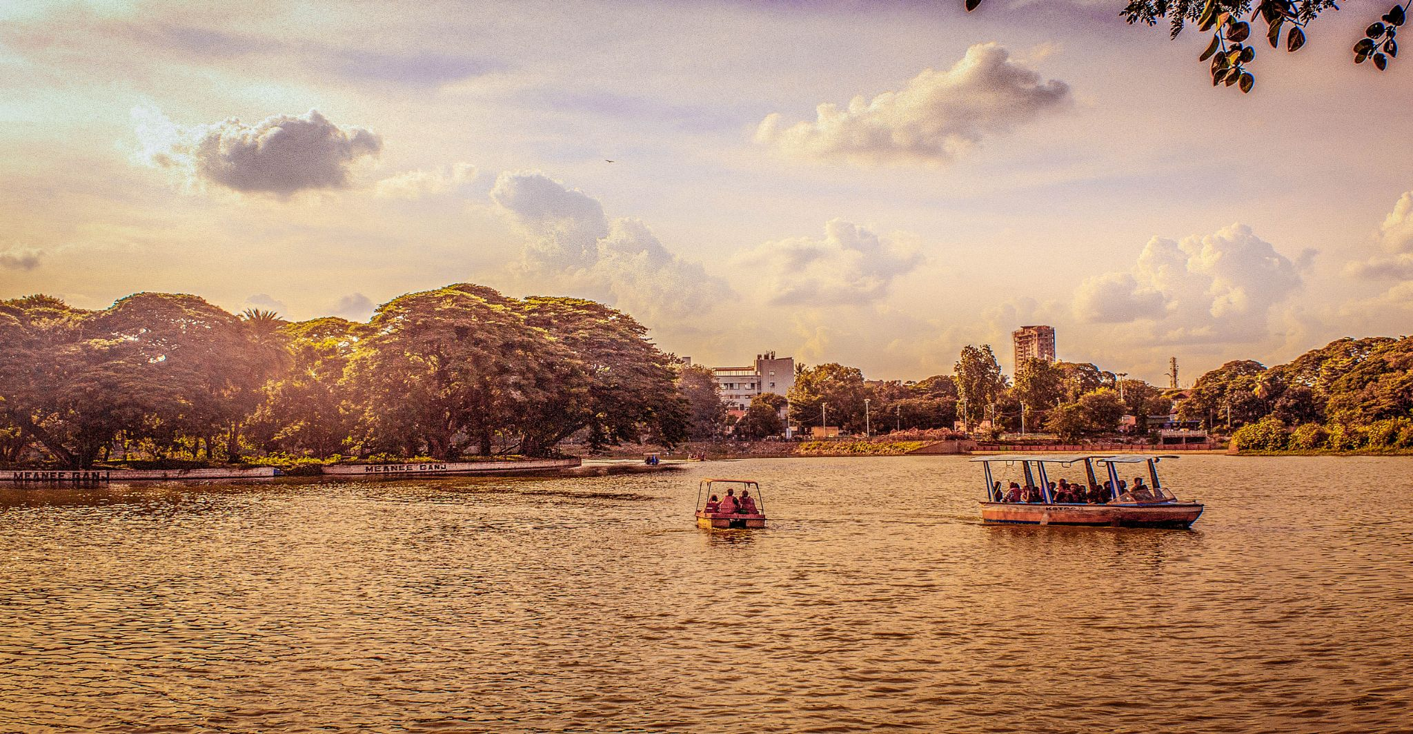 Evening Scene at Ulsoor Lake, Bangalore, India by joyman.xavio