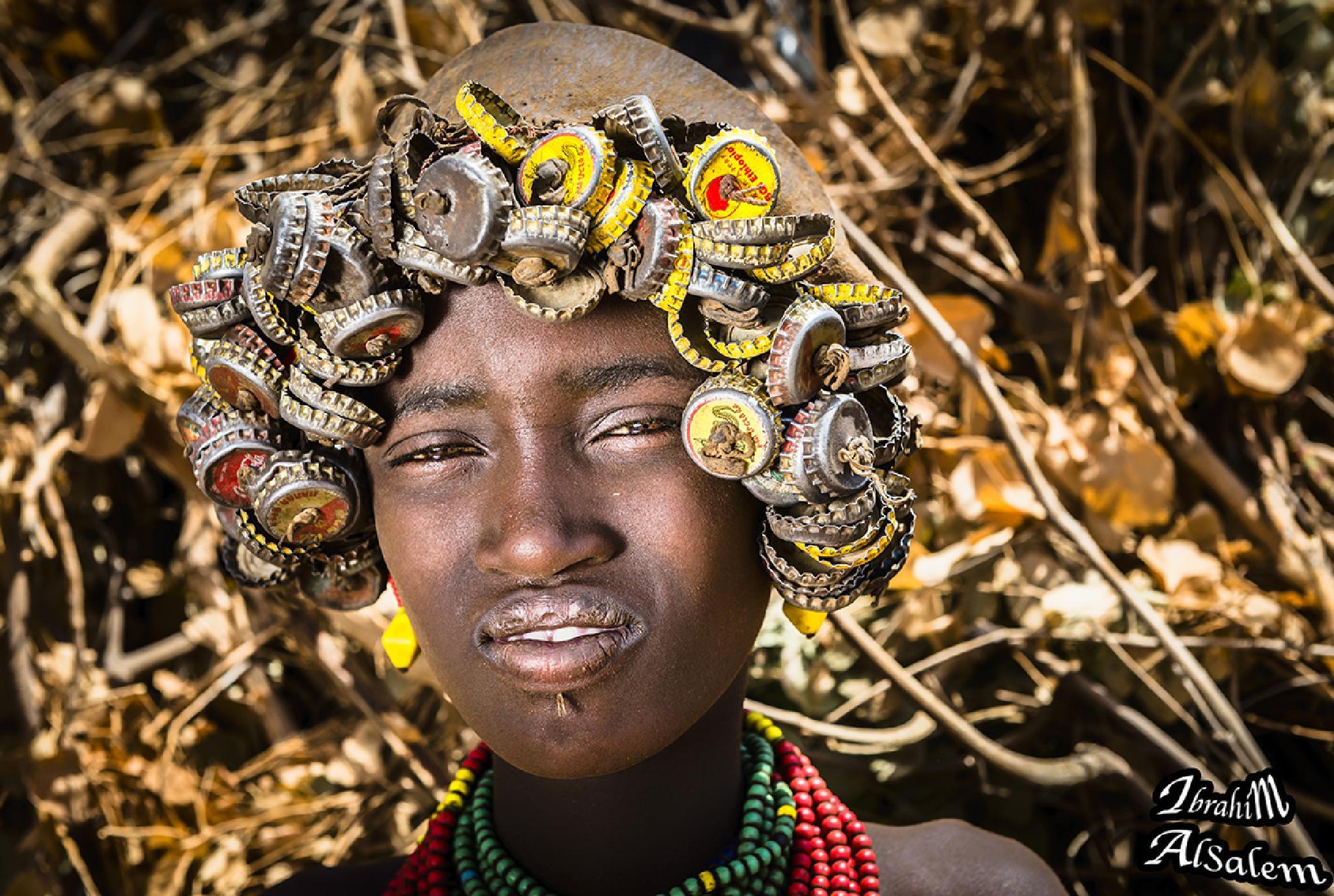 girl wearing lid metal by ibrahim alsalem