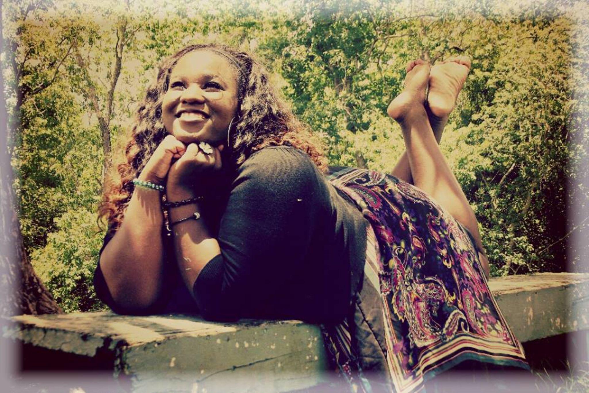 Happy Mona by Chelsey Elizabeth