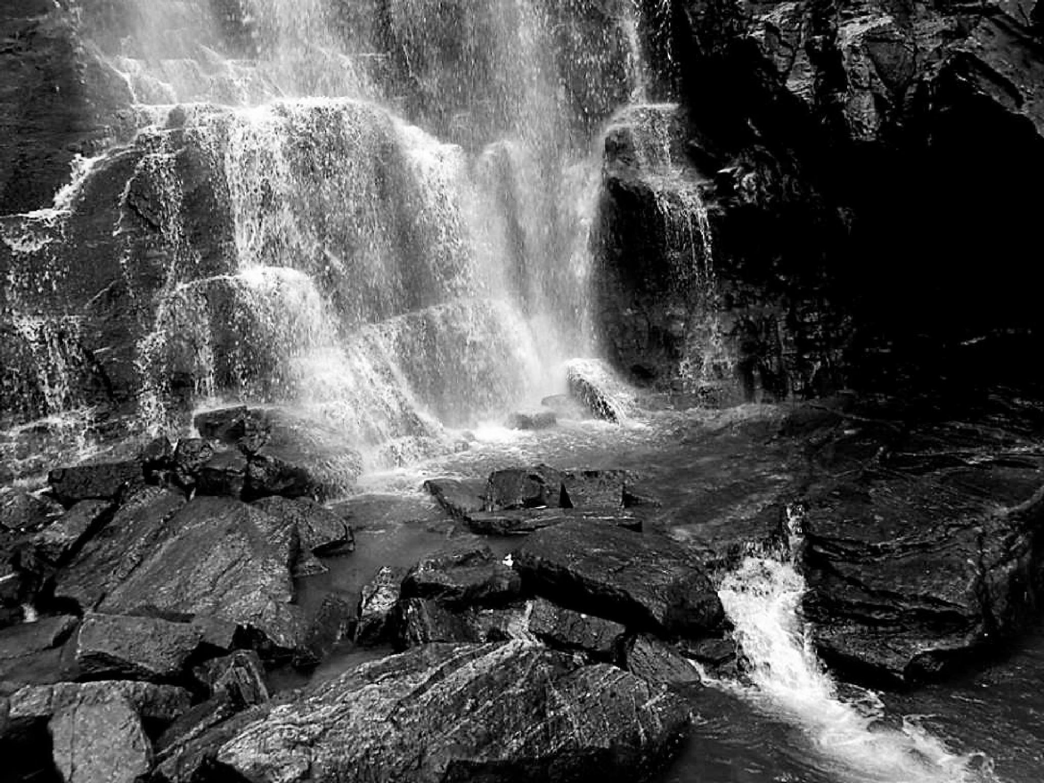 Waterfall into Rocks. by Chelsey Elizabeth