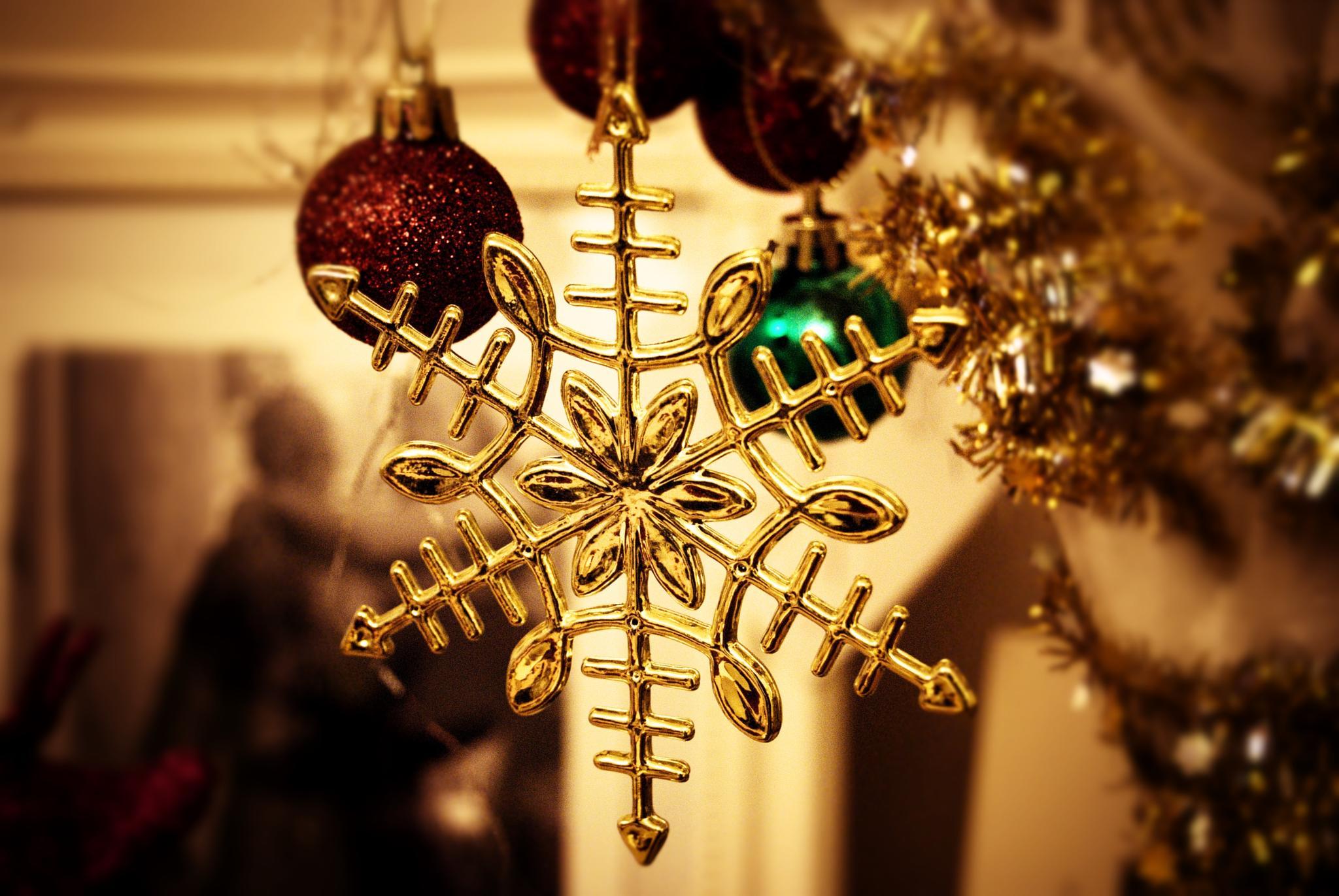Simply Christmas by Kaz Matthews