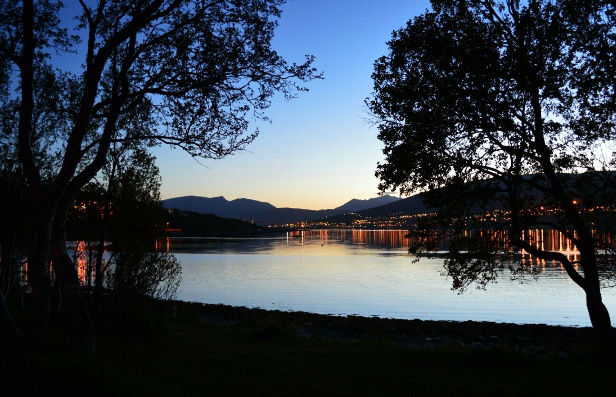 evening glow  by robtl12345
