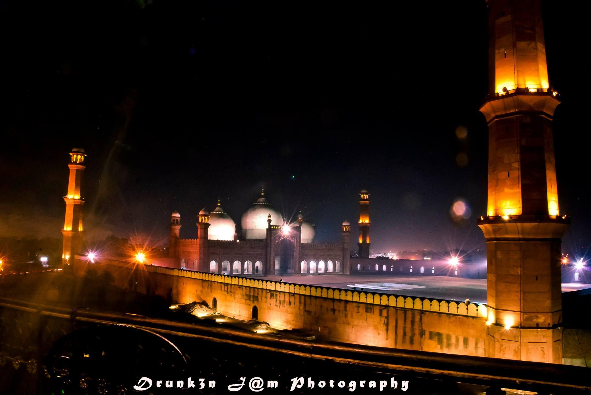 Shahi Masjid  by Drunken.Jam