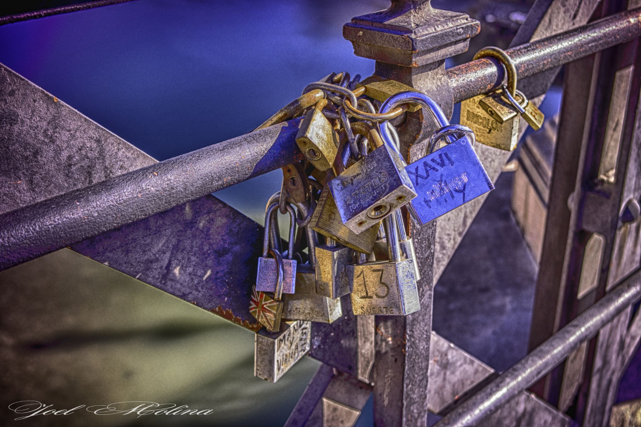 Love in HDR by joelmolinaphotography