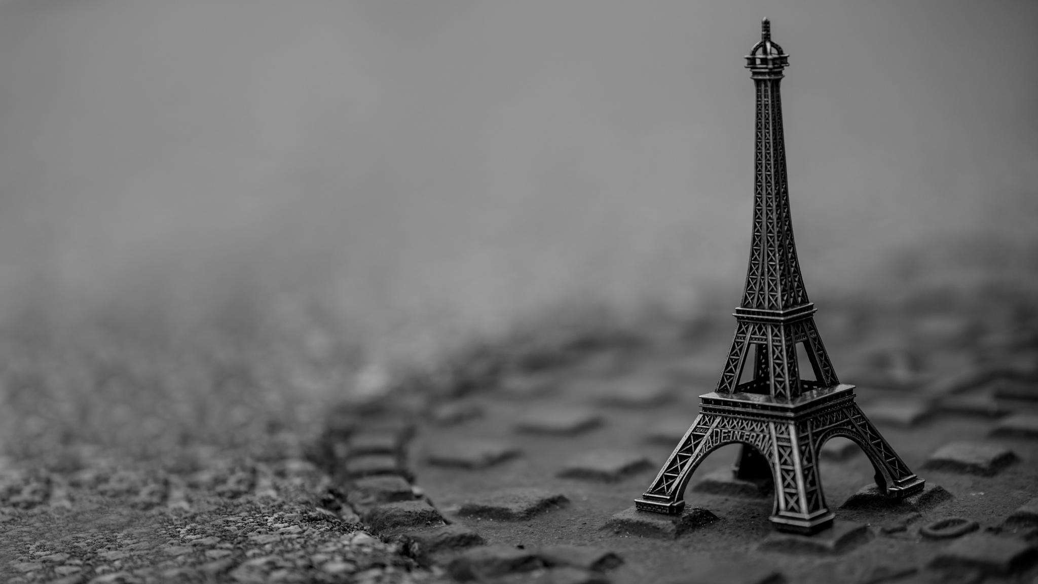 Eiffel Mini Tower by AlexTrillium
