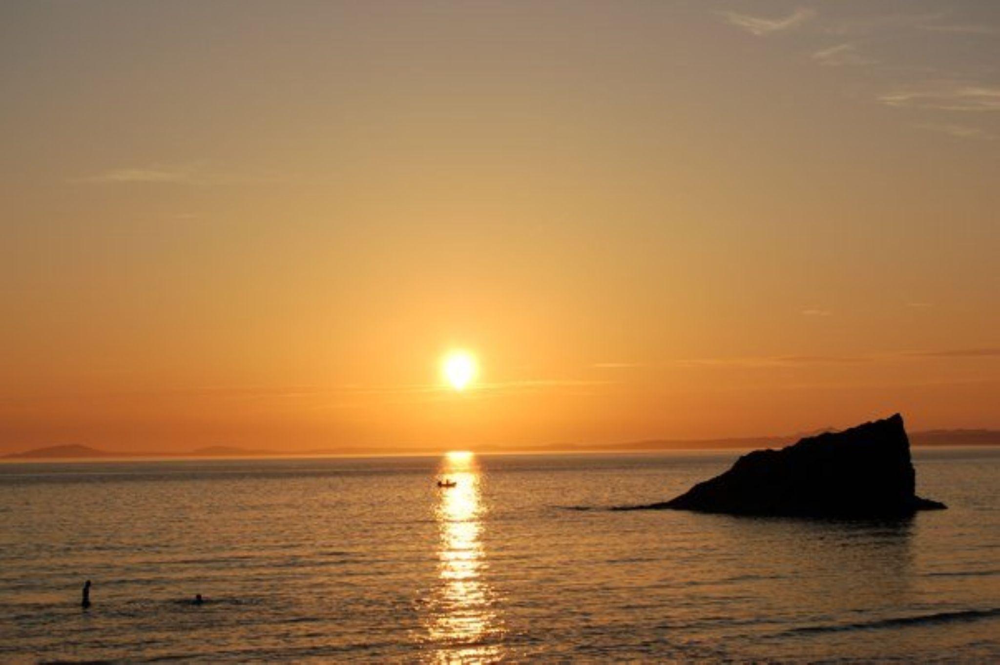 Sunset swim. by darron.sandell