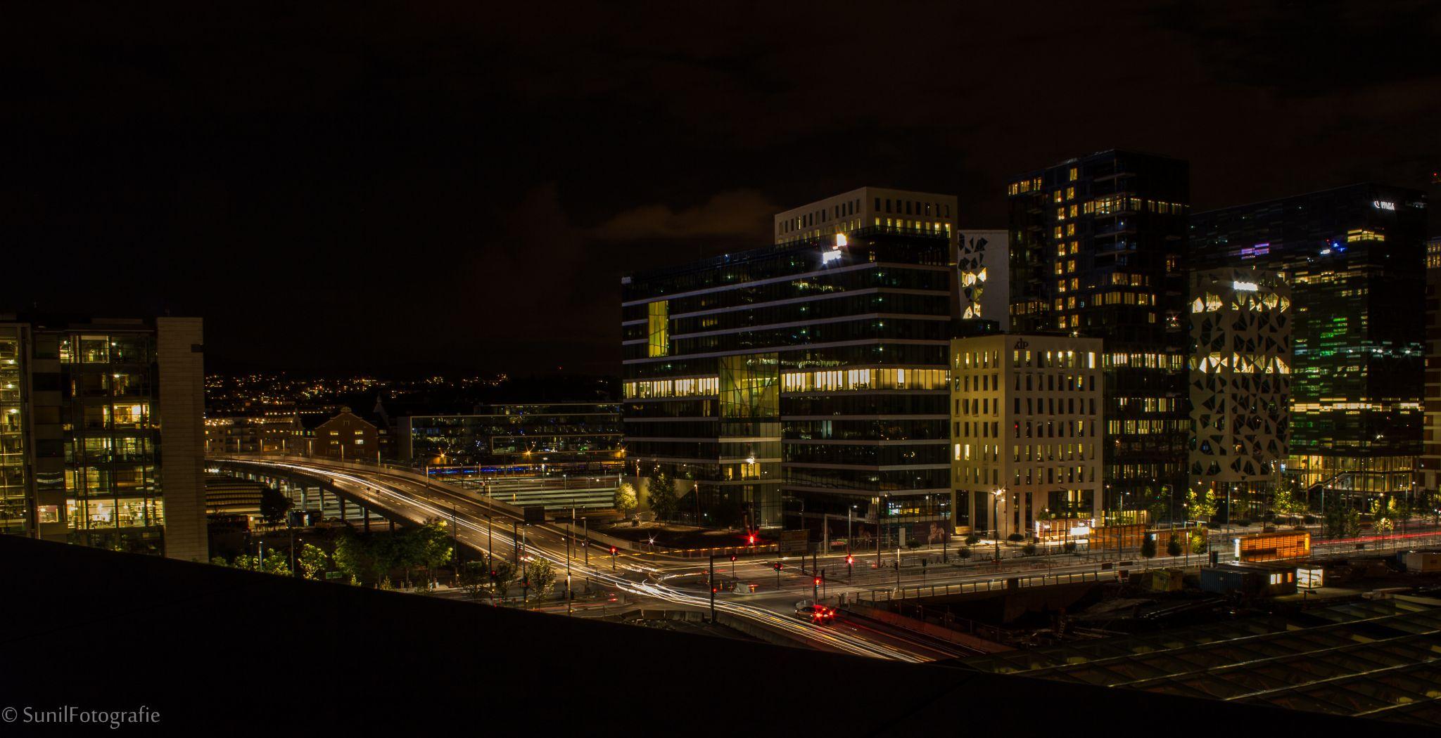 Light Trails - Oslo by sunil.purushothaman