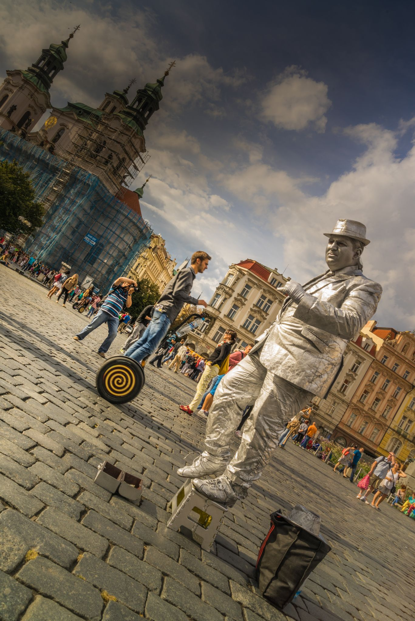 Living Statue in Prague by kosherfrog