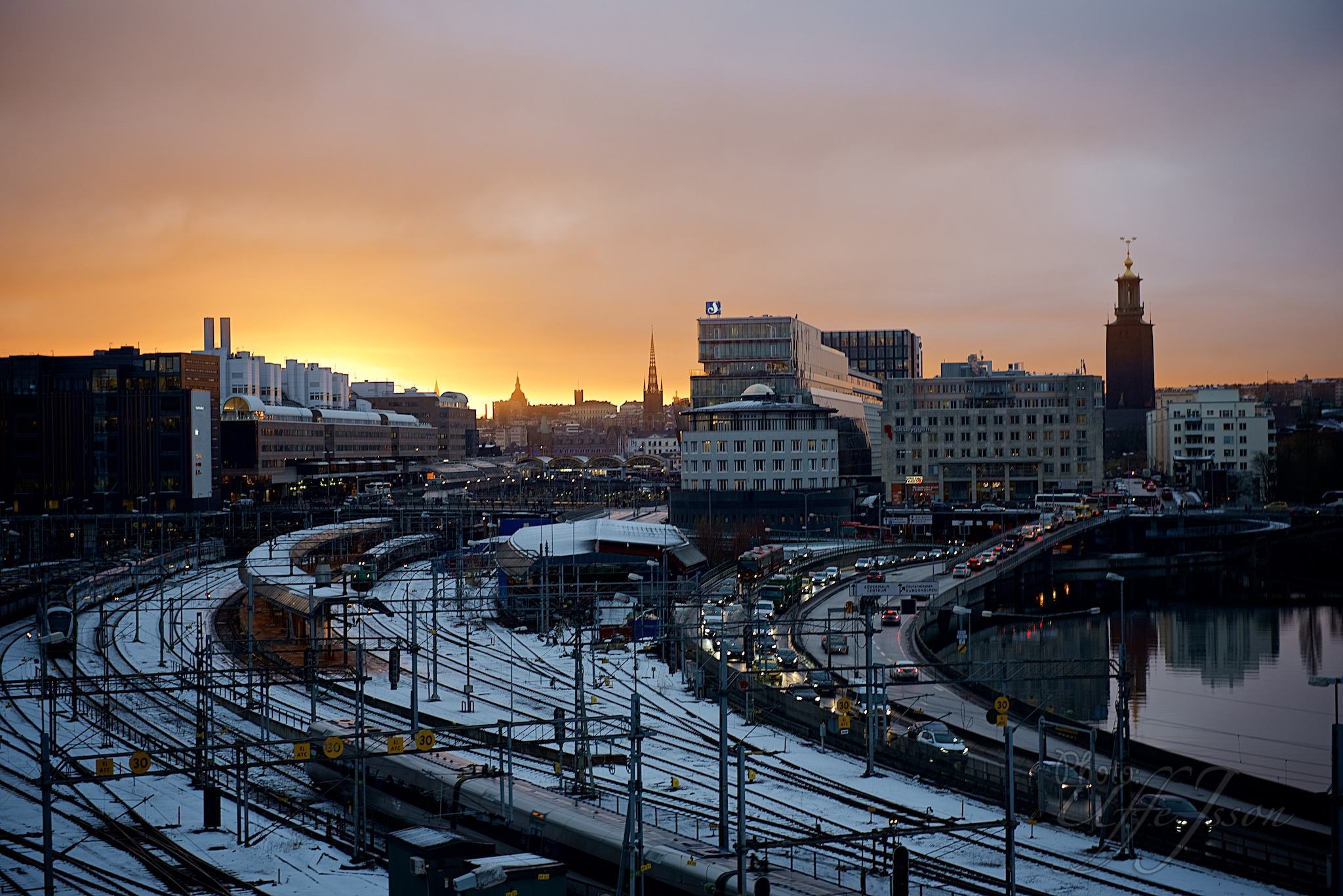 Morning sun by uffejsson