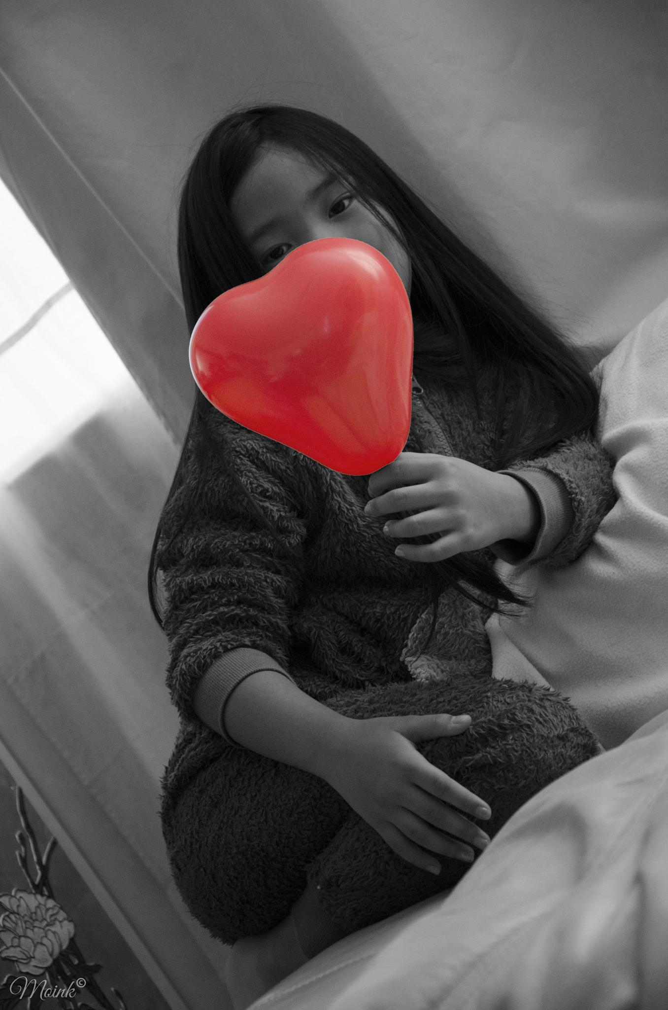 Red Heart Baloon by Michelangelo Macanas