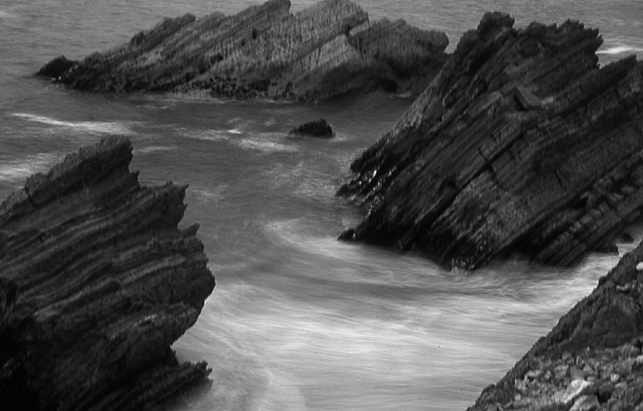 Photo in Landscape #mar #ondas #rochas #moel #portugal #b&w