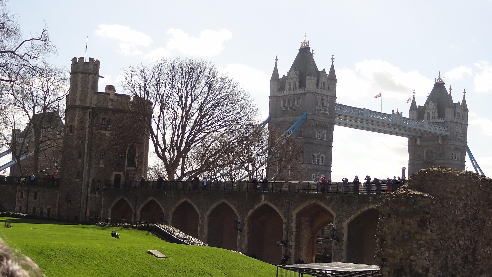 London! Tower Bridge by Simeon Stoichkov