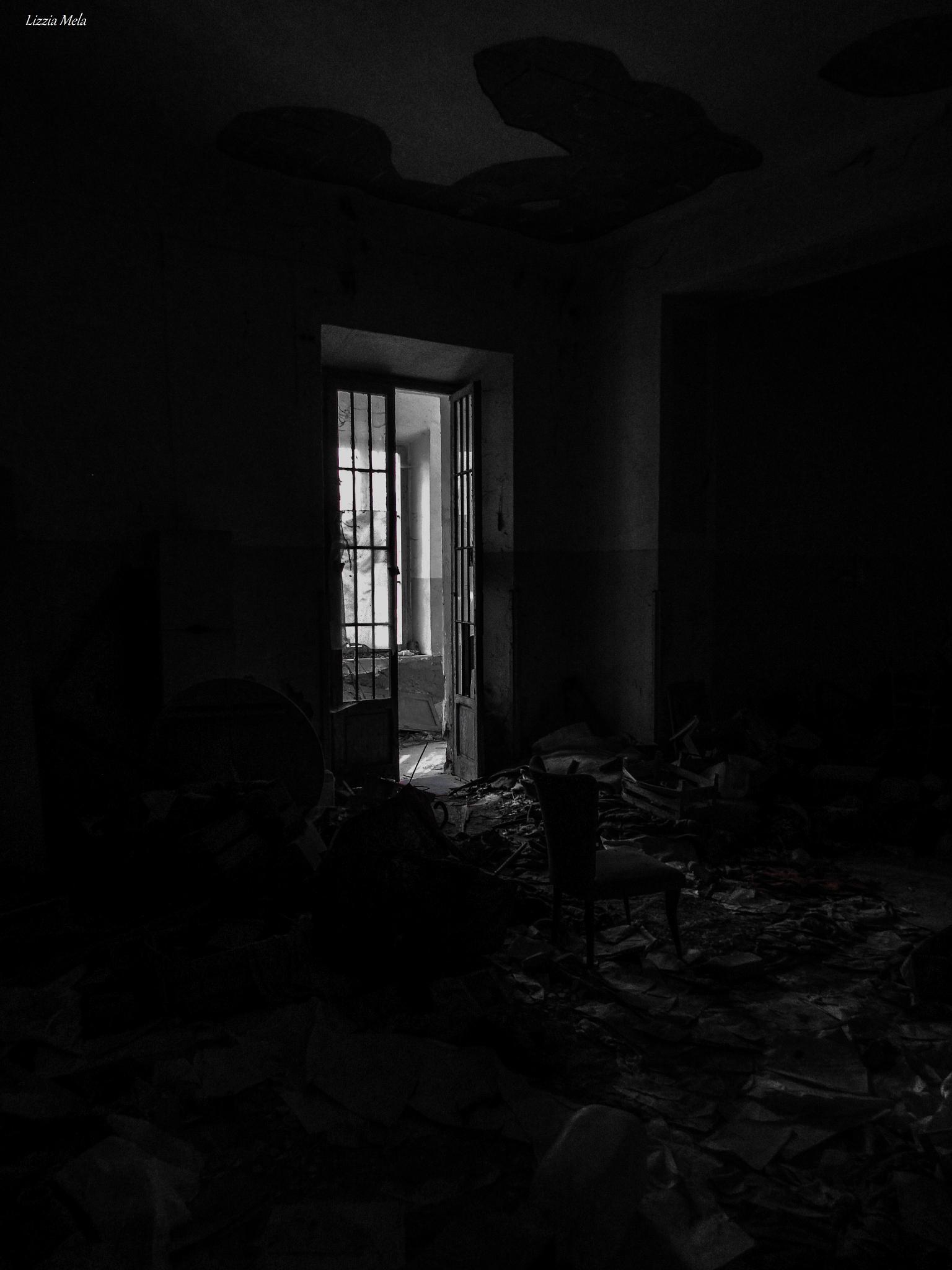 In the dark (Abandoned Hospital Volterra) by lizzia.mela
