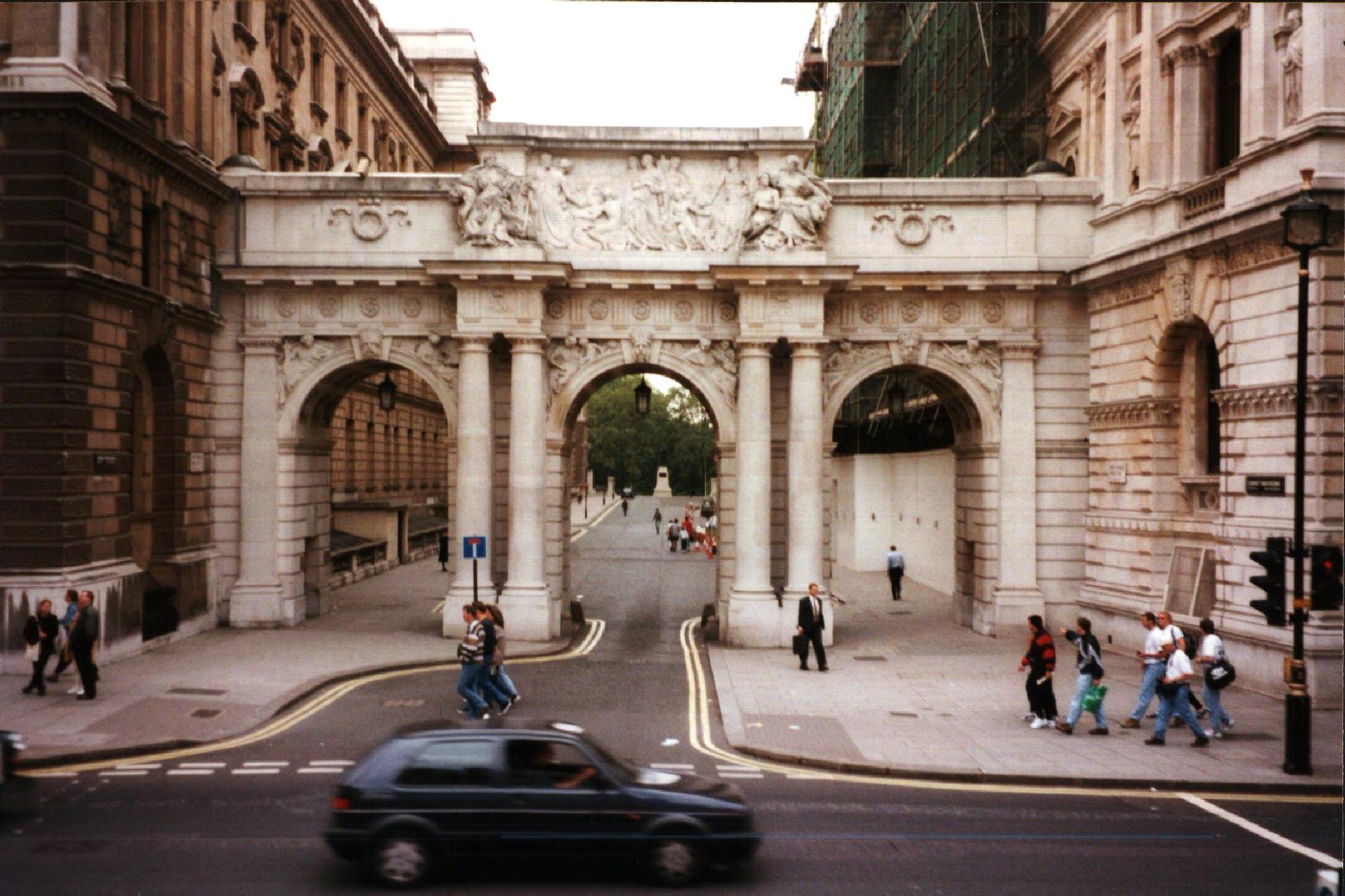 Downing Street ? UK 1996 by cinzia.sawatzky