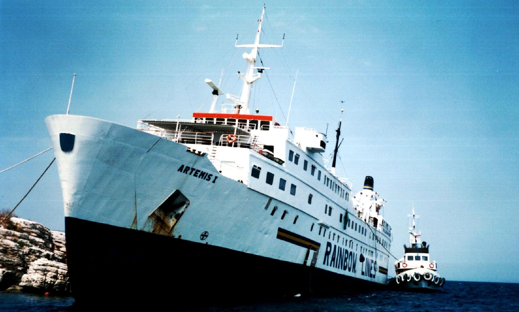 Artemis I 'shipwrecked' 1996 by cinzia.sawatzky