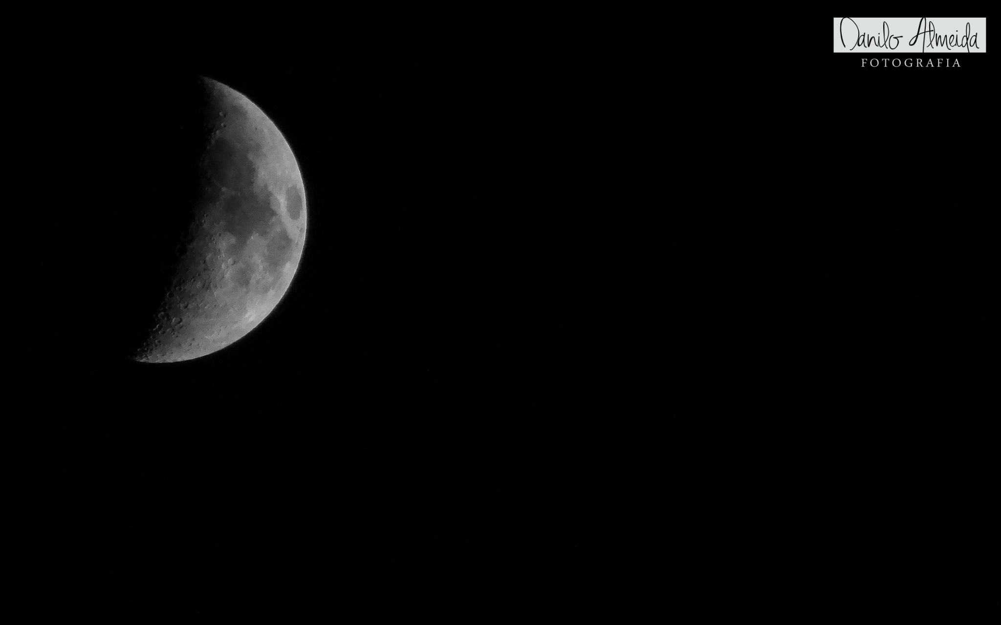 The moon by Danilo Almeida