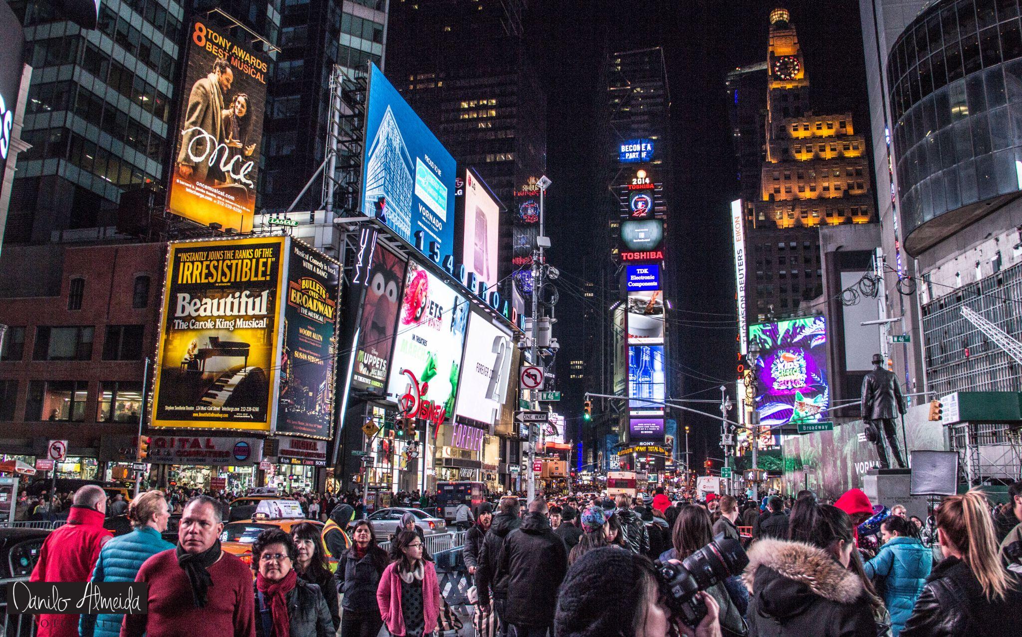 Times Square by Danilo Almeida