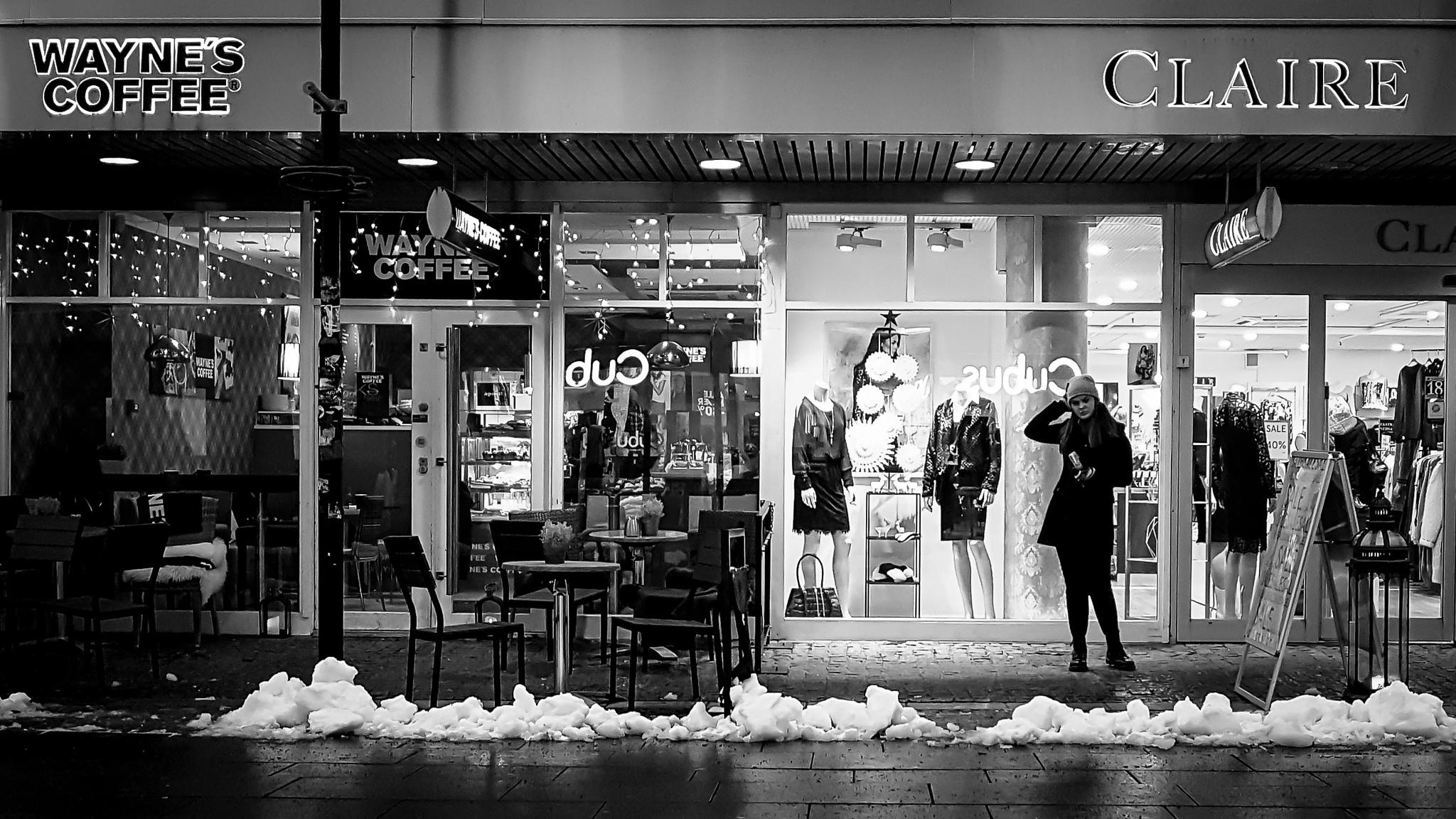 Waiting or modelling? by Knut Arne Gjertsen