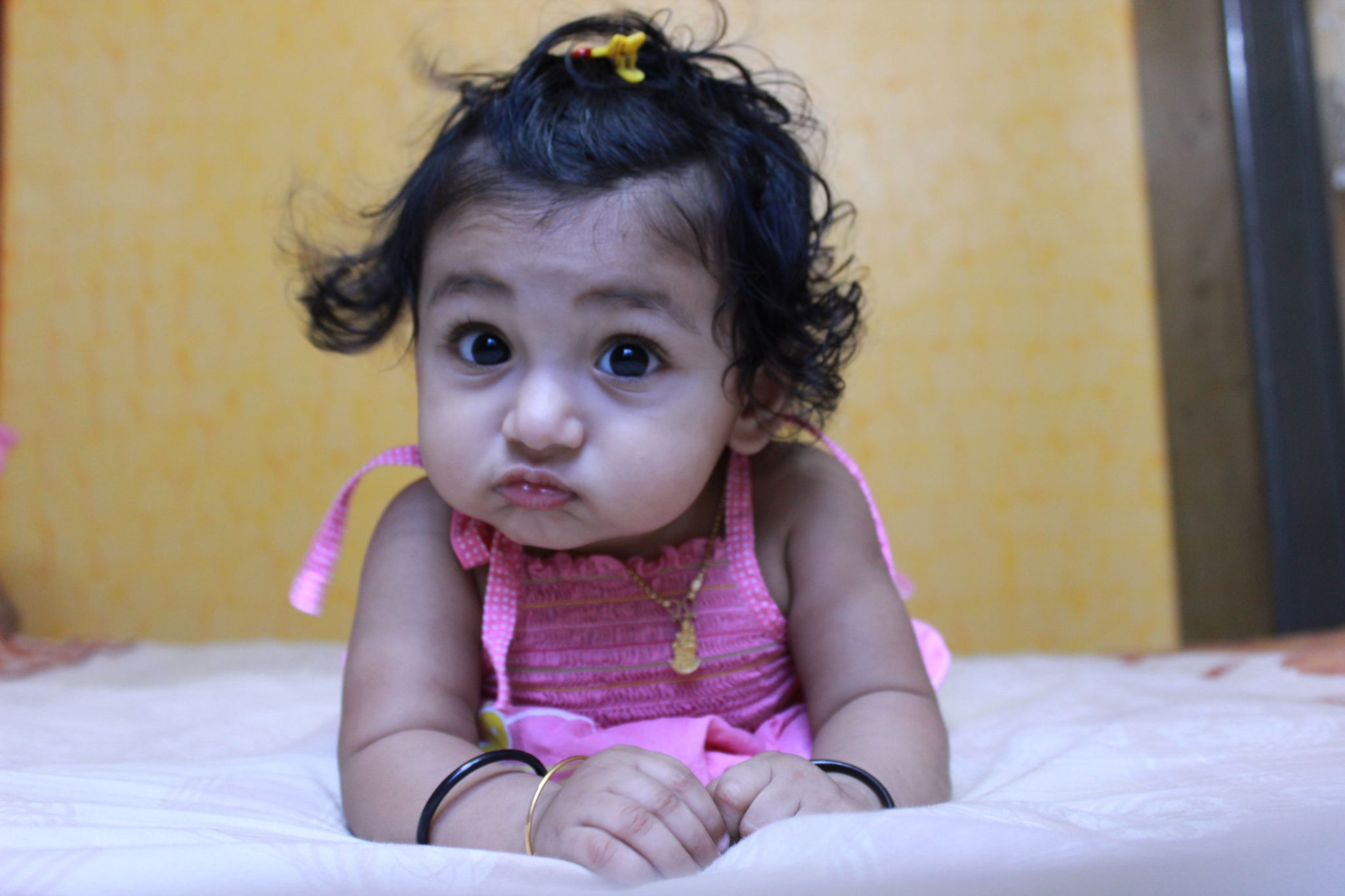 Baby pout  by Dineshnath Baluchamy