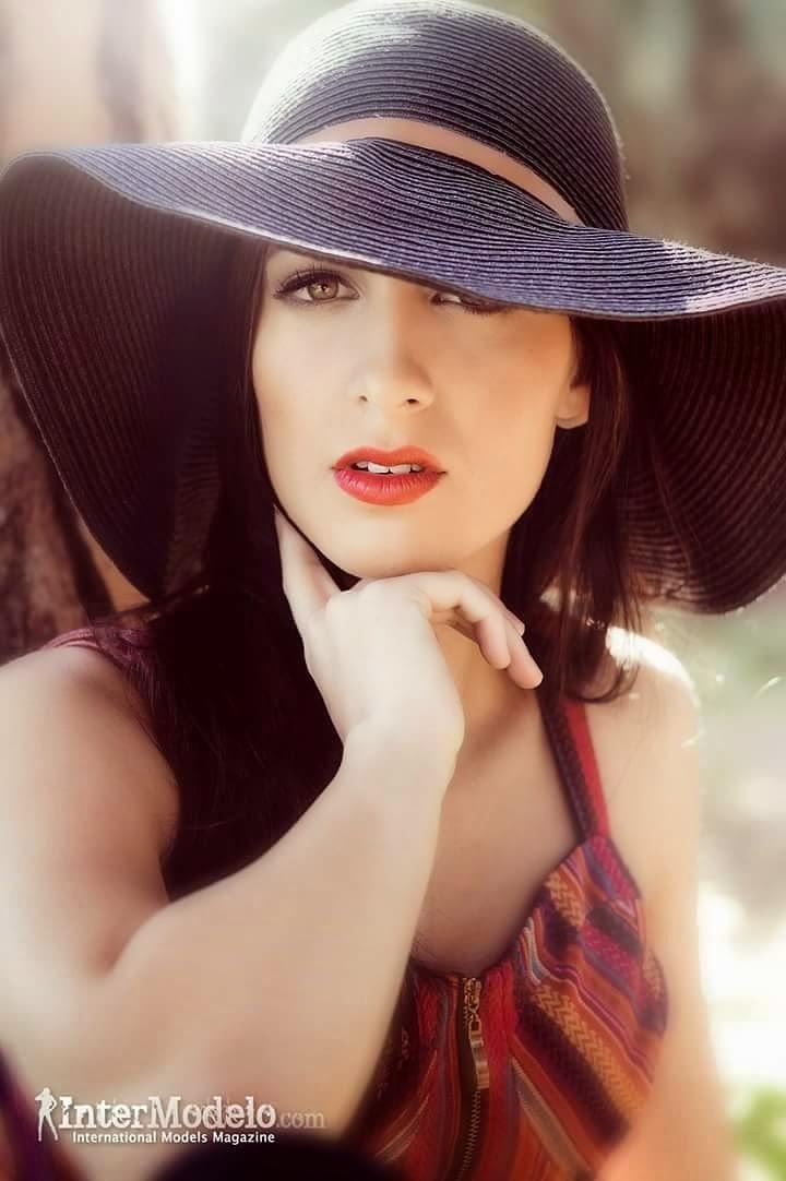 Miranda Headshot by Chalo Garcia