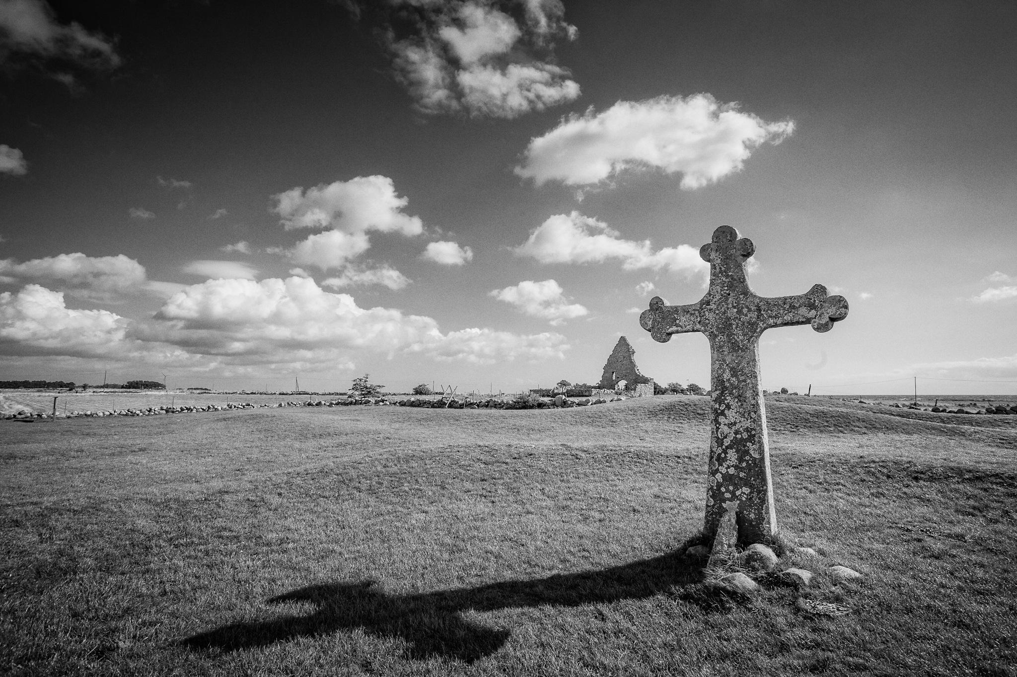 The Cross by Stilfoto