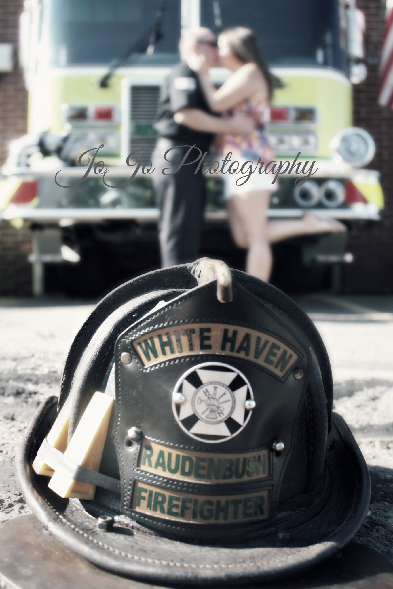 Firefighter country engagement photos by brennah.hartmann