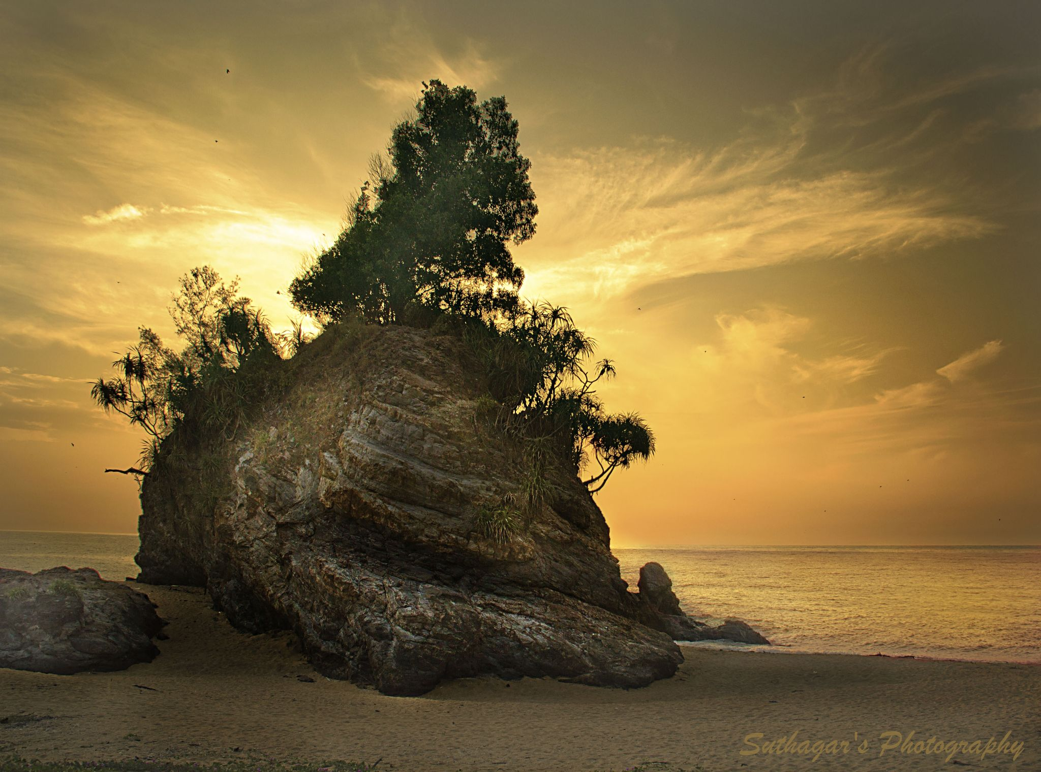 Lively boulder by suthagar kotto