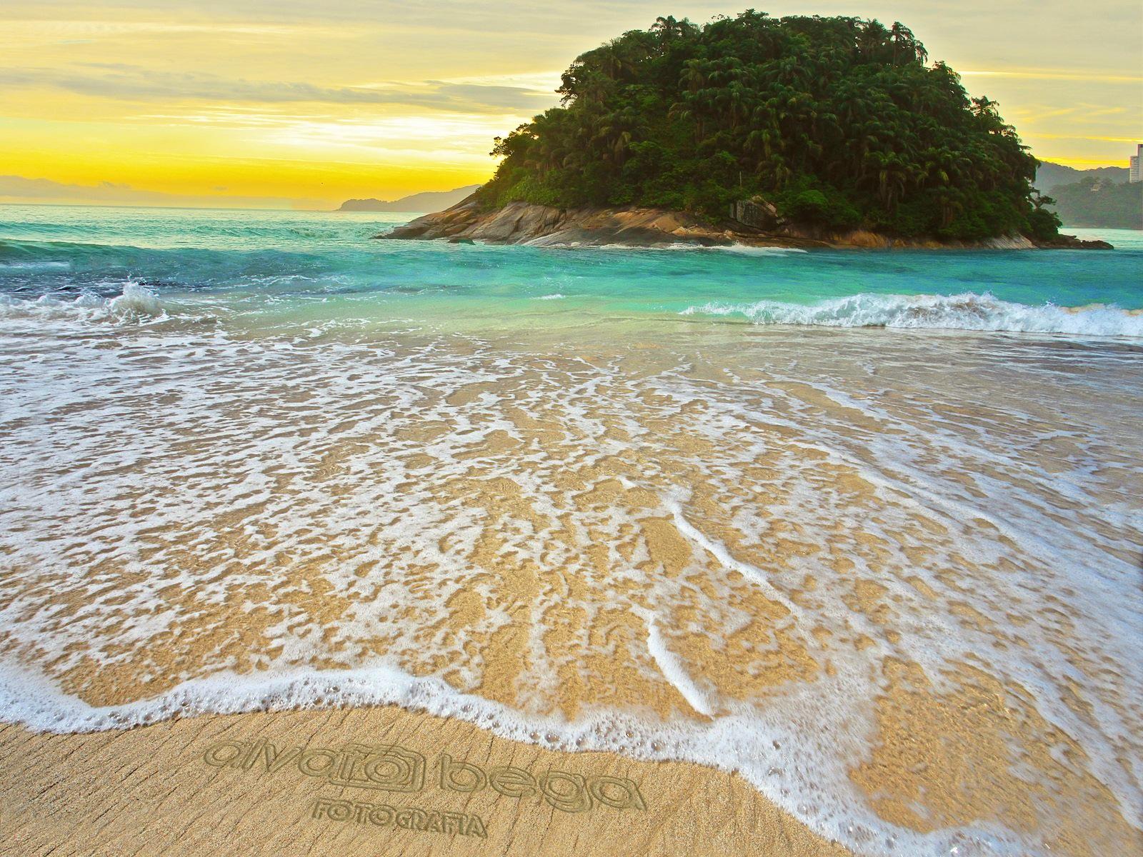 island in the sun by alvarobega3