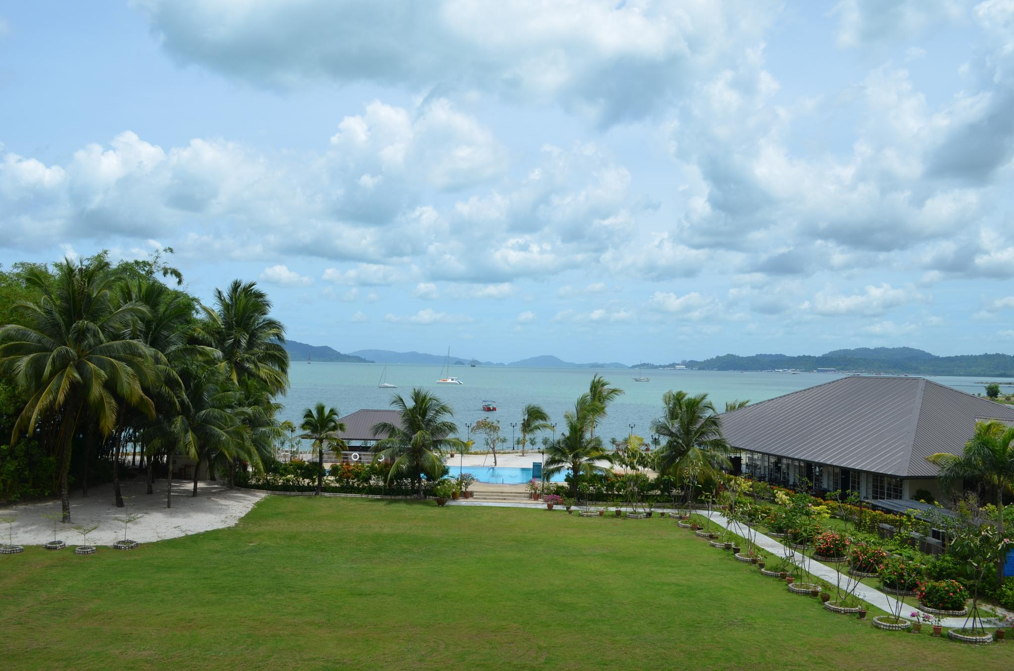 View from Beach Resort by Jayachandran Palanisamy